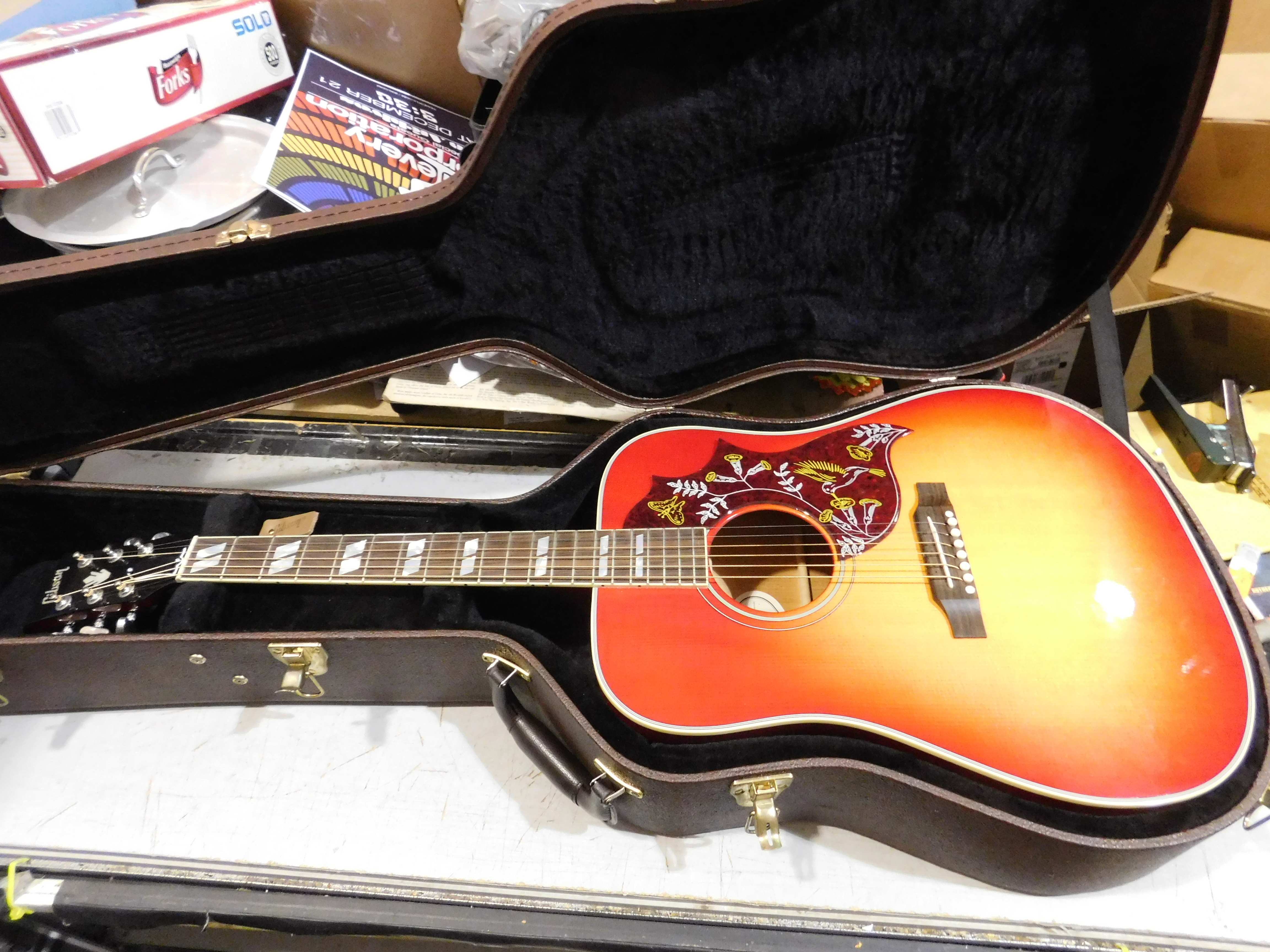 2018 GIBSON HUMMINGBIRD Acoustic-Electric Guitar HSC Vintage Cherry Sunburst