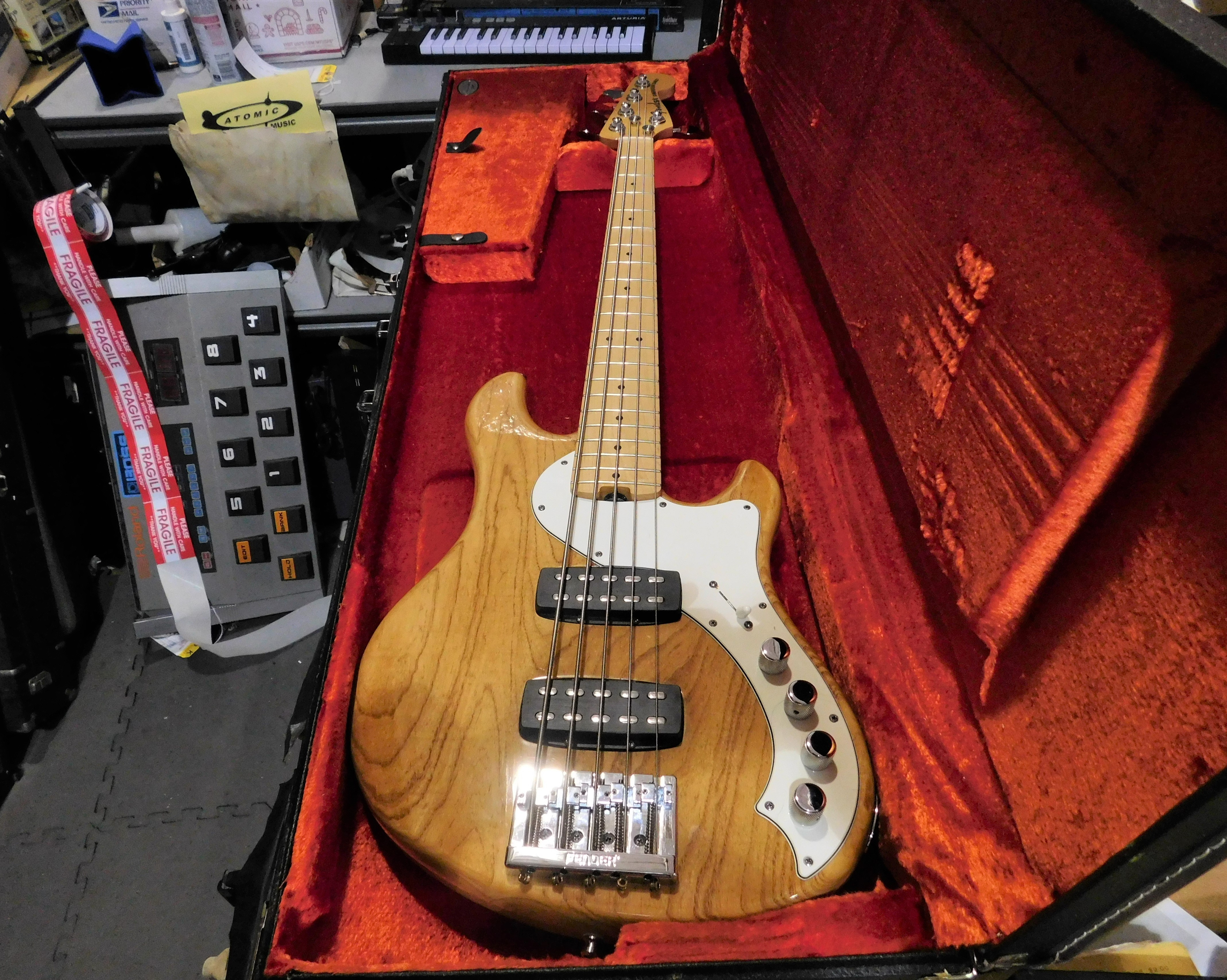 2013 FENDER American Deluxe Dimension Bass V HH Electric Bass HSC Natural