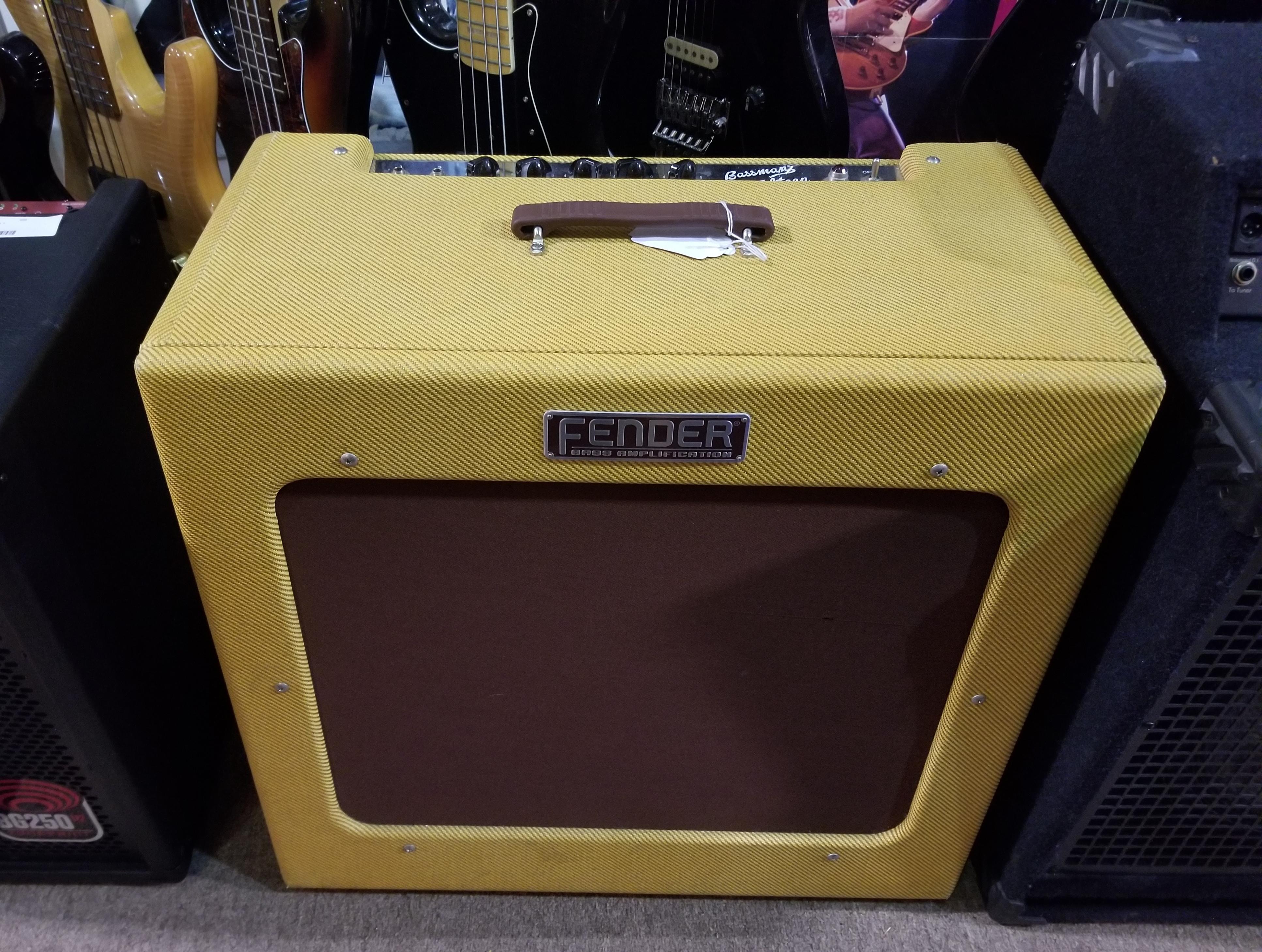 FENDER Bassman TV Fifteen 350-Watt Bass Combo Amp - Local Pickup Only!