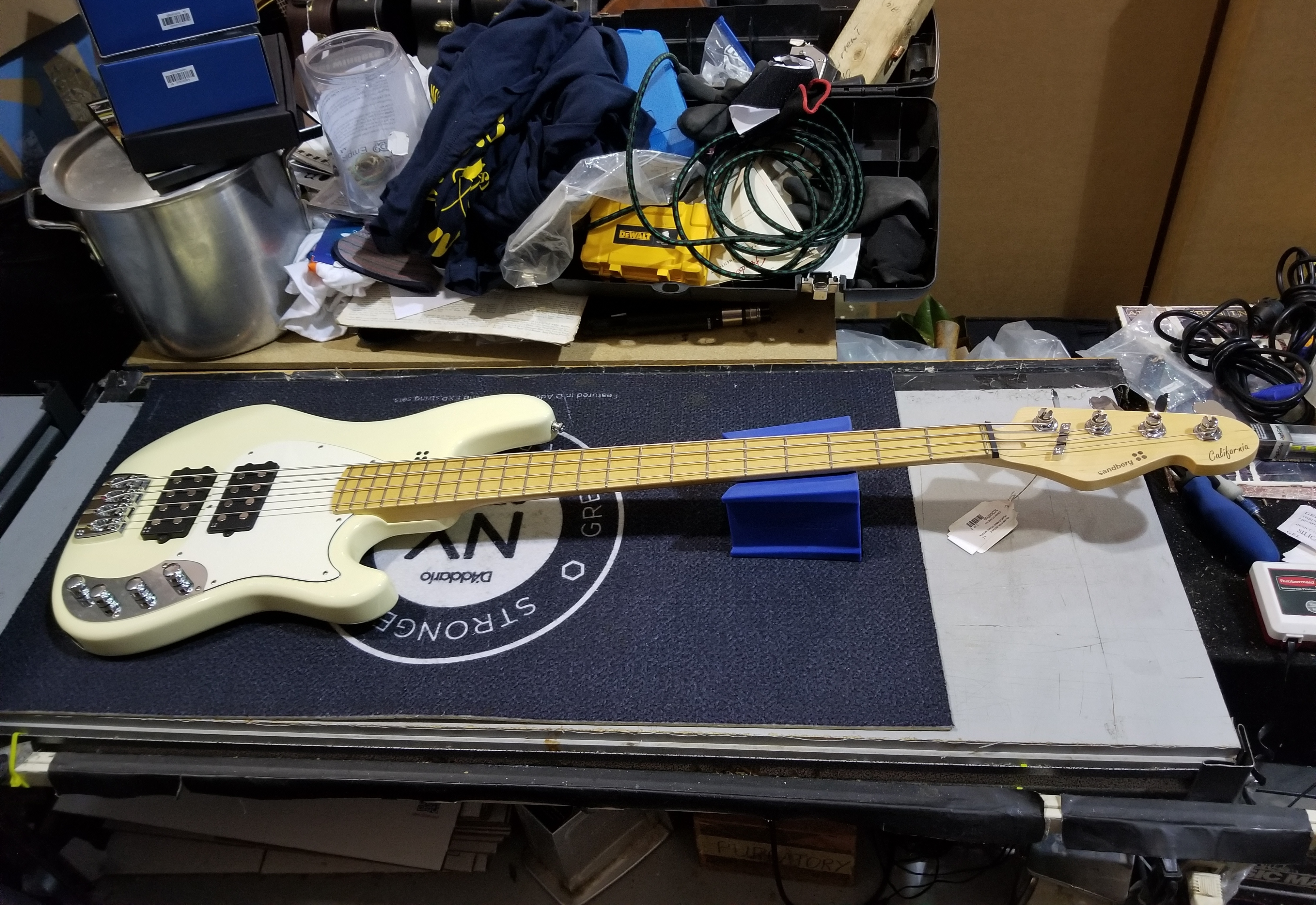 SANDBERG California TM2 4-String Electric Bass w/ Gig-bag
