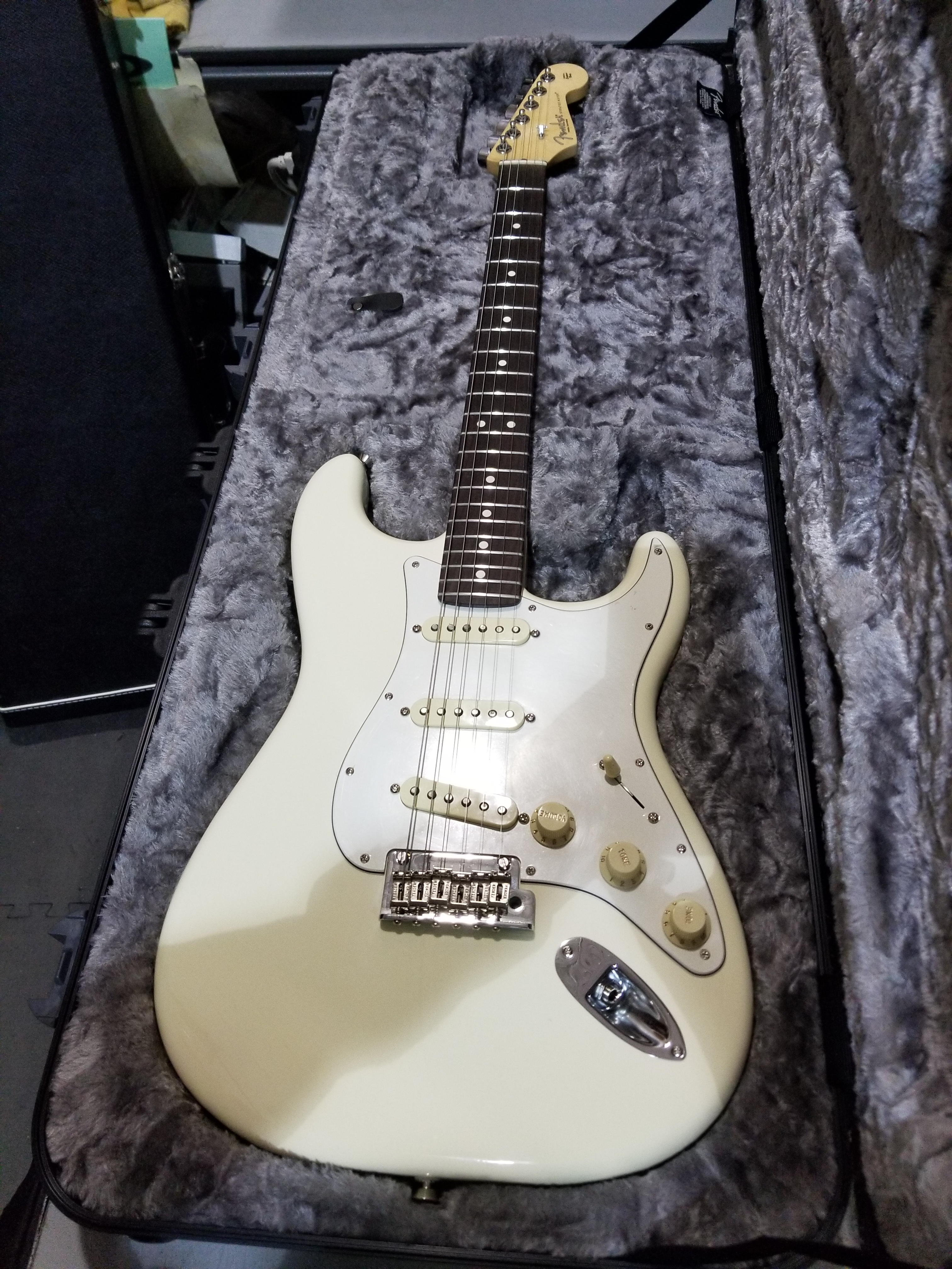 2019 FENDER American Professional Stratocaster Electric Guitar HSC Olympic White
