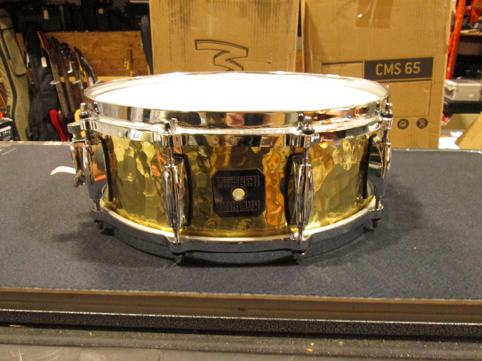 GRETSCH HAND-HAMMERED BRASS SNARE DRUM 14