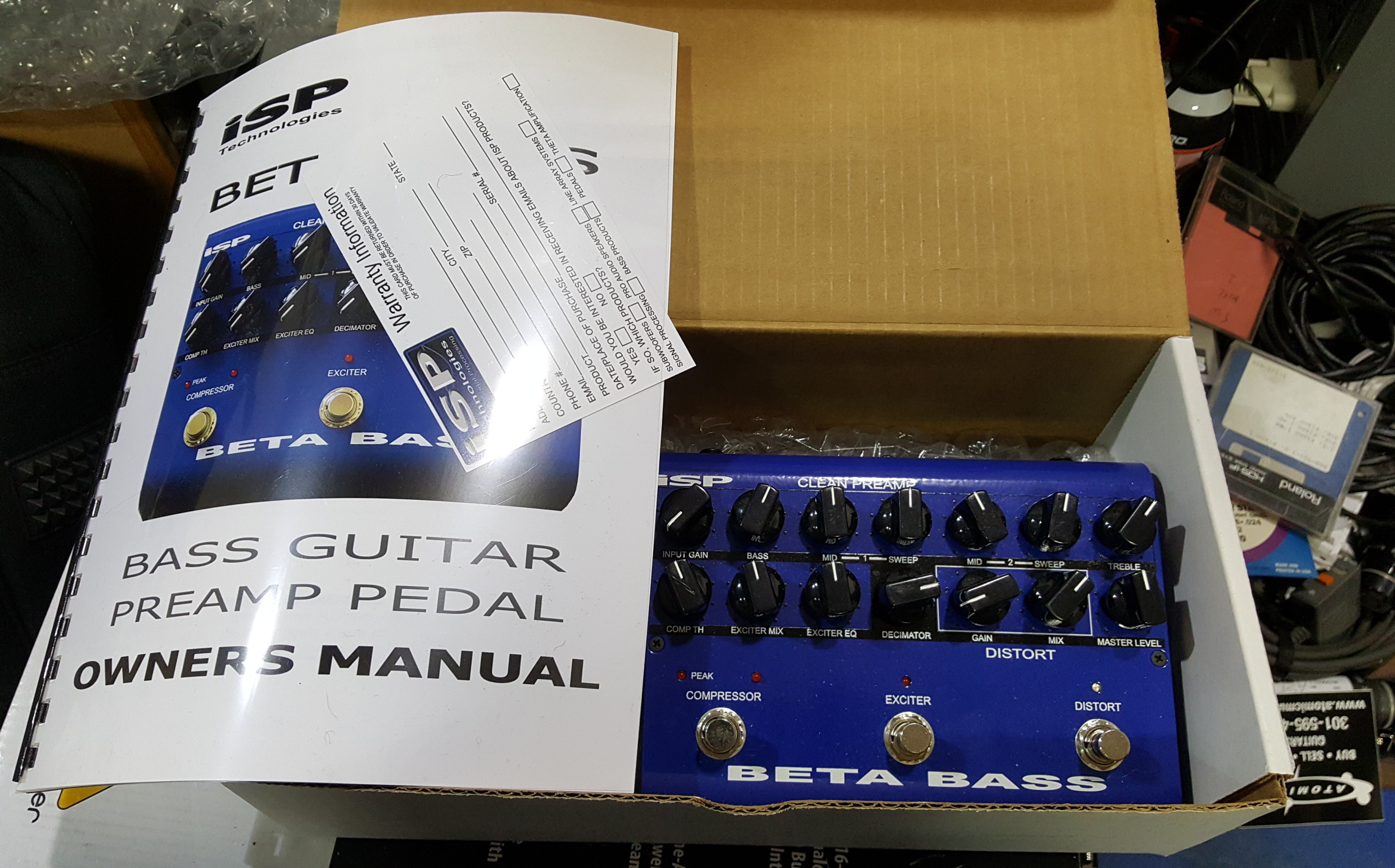 ISP TECHNOLOGIES BETA BASS PREAMP PEDAL WITH POWER SUPPLY