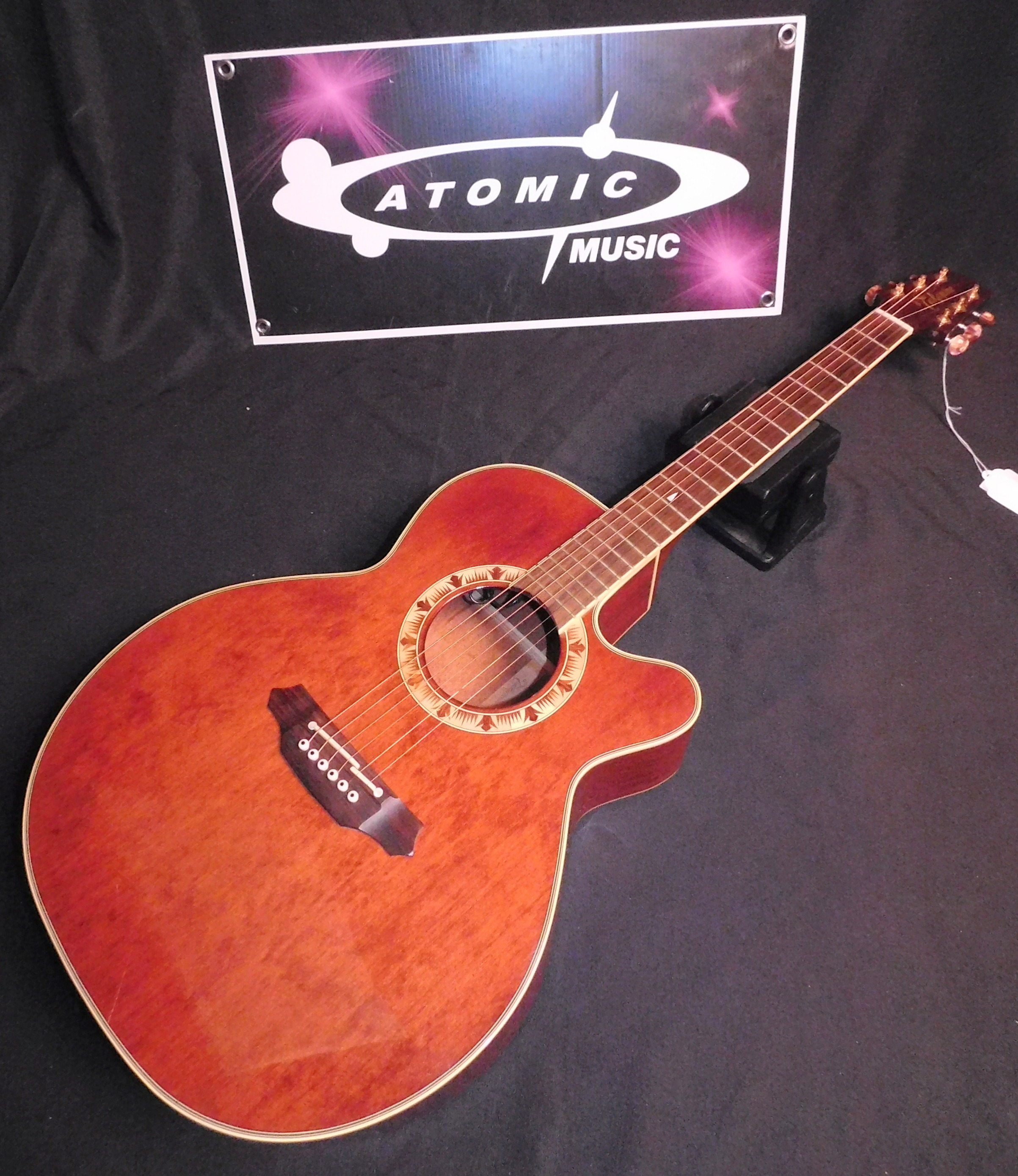 TAKAMINE EF508C ACOUSTIC ELECTRIC GUITAR WITH CASE