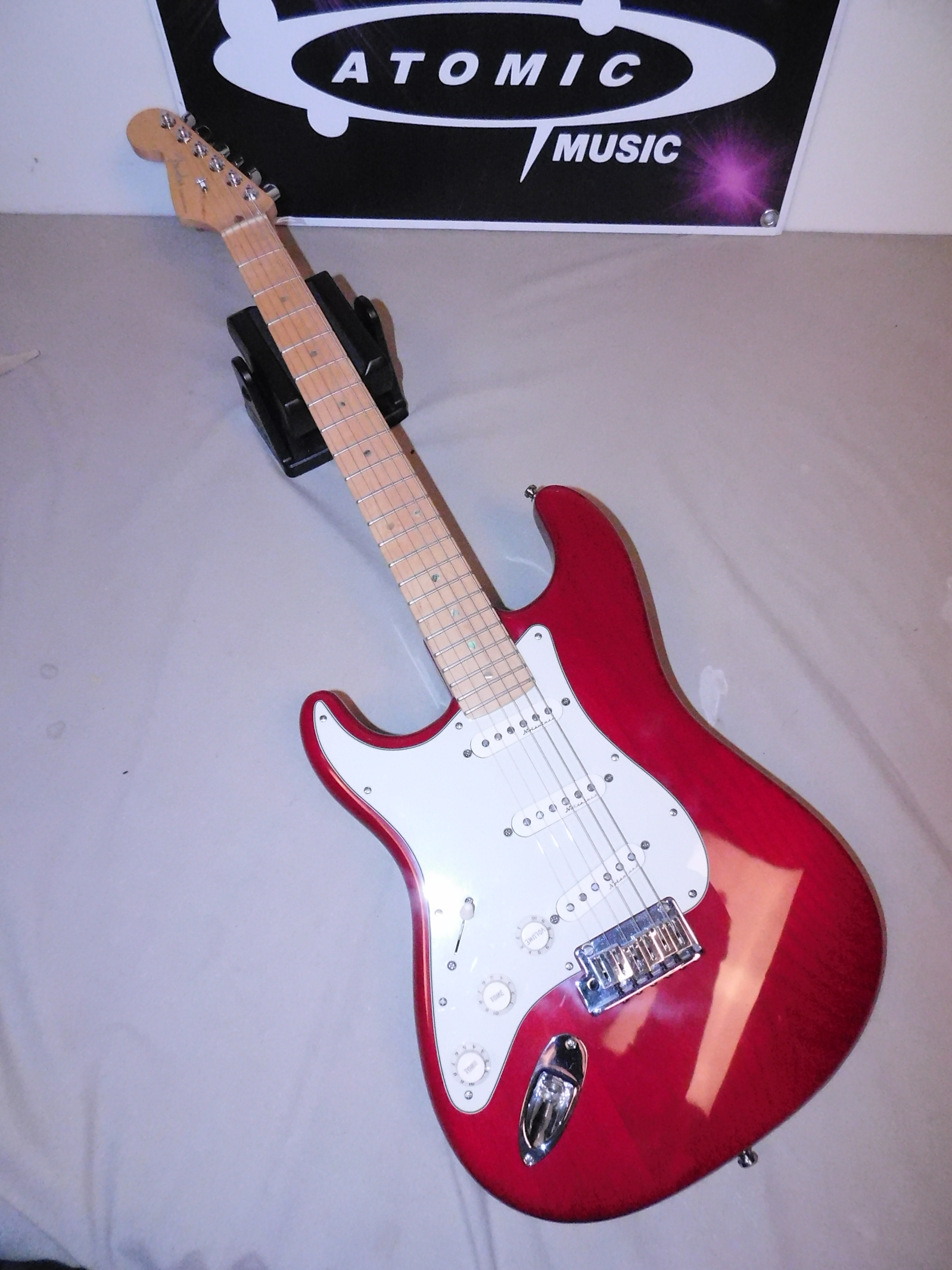 AMERICAN LEFT-HANDED FENDER DELUXE STRATOCASTER - RED STRAT DLX - LEFTY