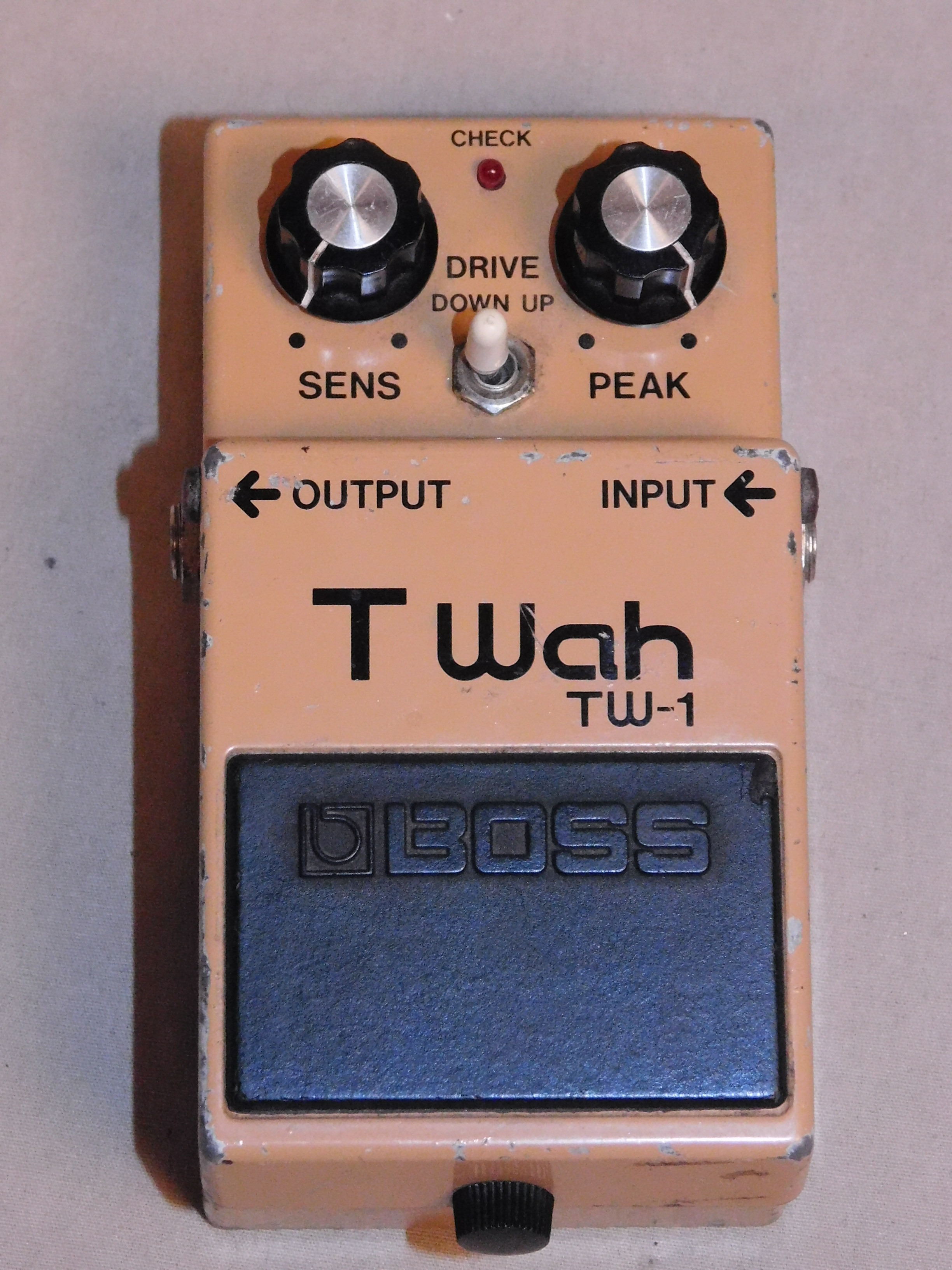 JAPANESE BOSS TW-1 AUTO T-WAH EFFECTS PEDAL - MIJ - TW1 - MADE IN JAPAN - TESTED