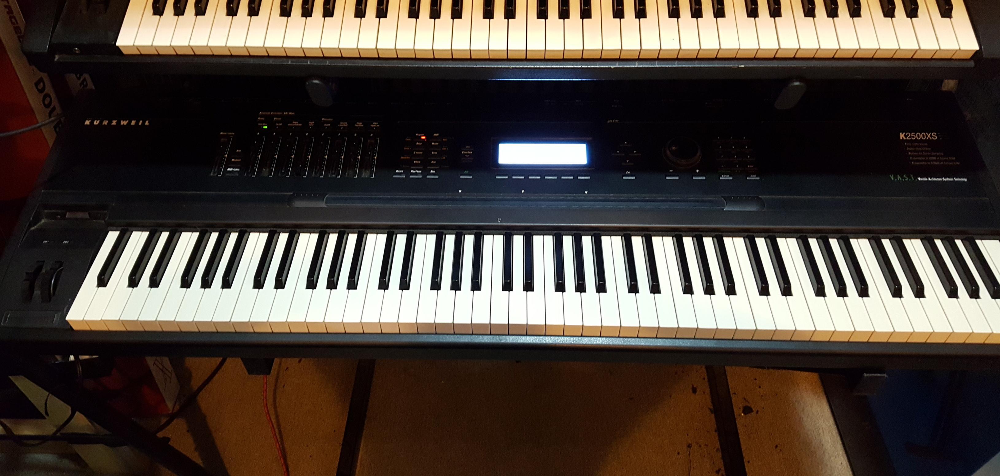 KURZWEIL K2500XS 88-Key Synthesizer/Sampler/Workstation **LOCAL PICKUP ONLY**