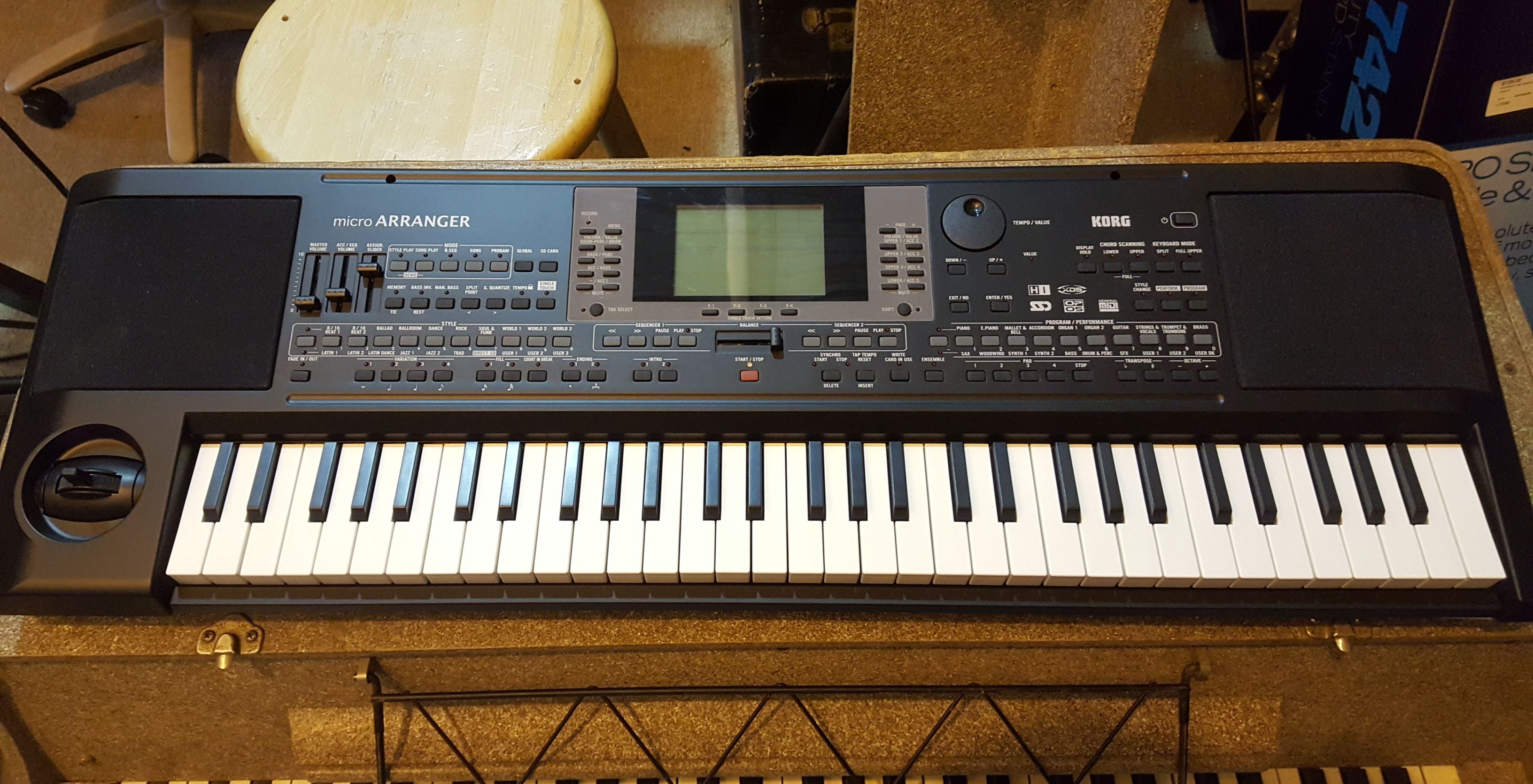 KORG MICRO ARRANGER 61-Key Portable Keyboard with Power Supply!!