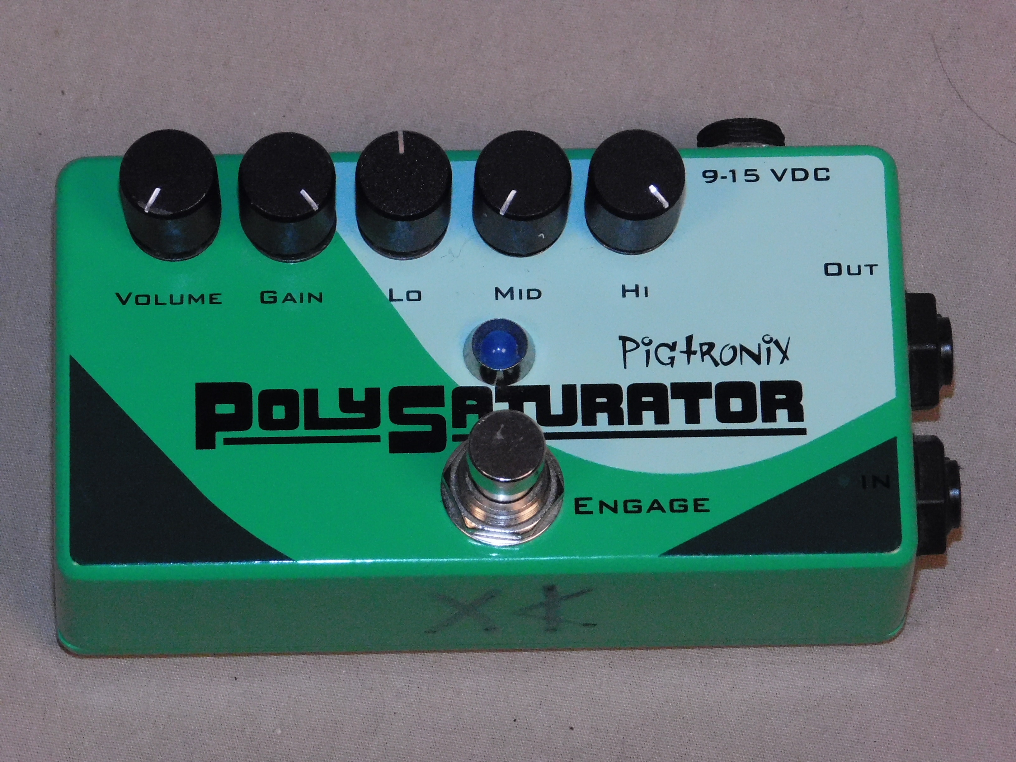 PIGTRONIX POLYSATURATOR DISTORTION EFFECTS PEDAL