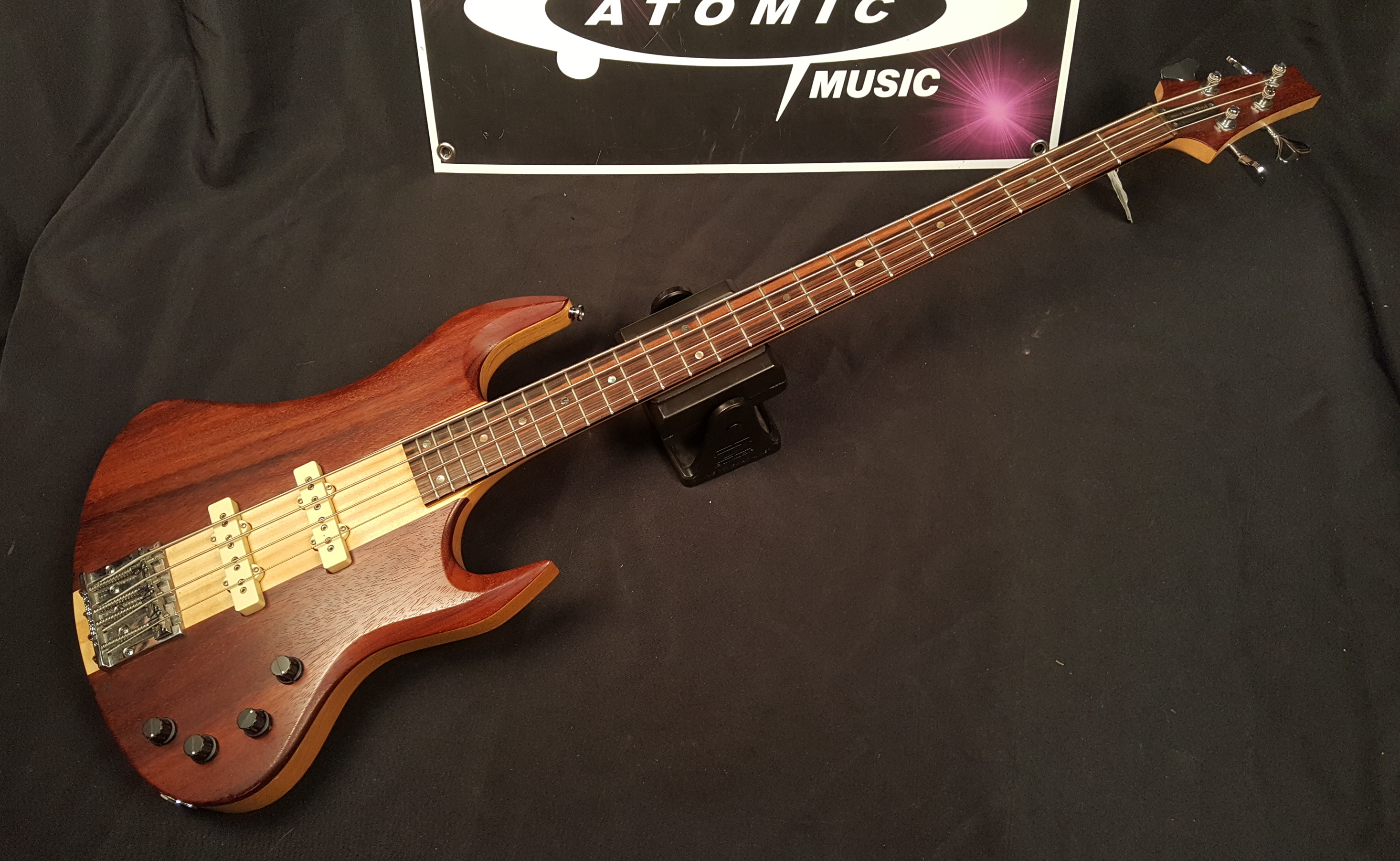 INNER WOOD 4-String Electric Bass Guitar
