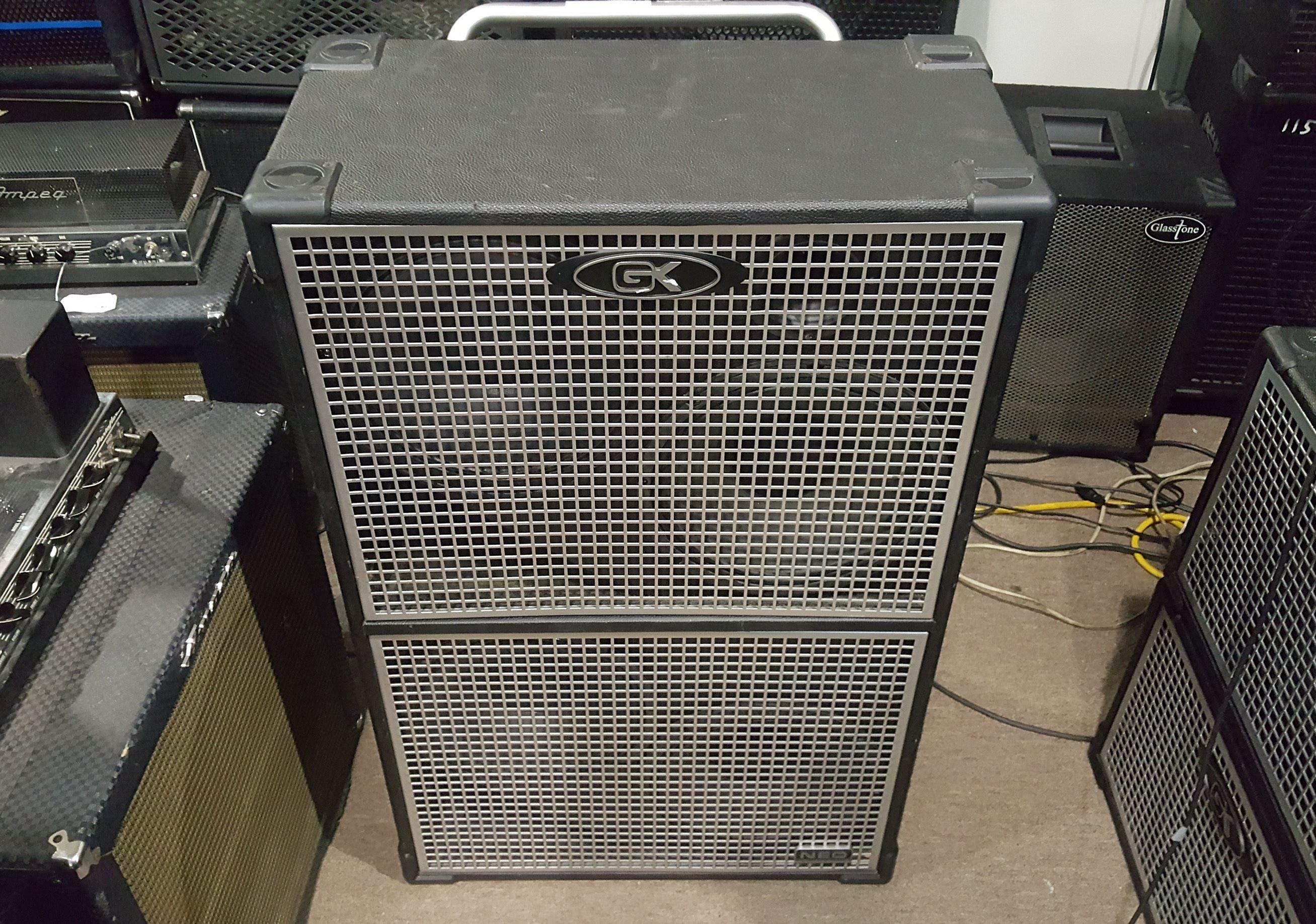 GALLIEN-KRUEGER NEO 412 1200-WATT 4X12 BASS SPEAKER CABINET