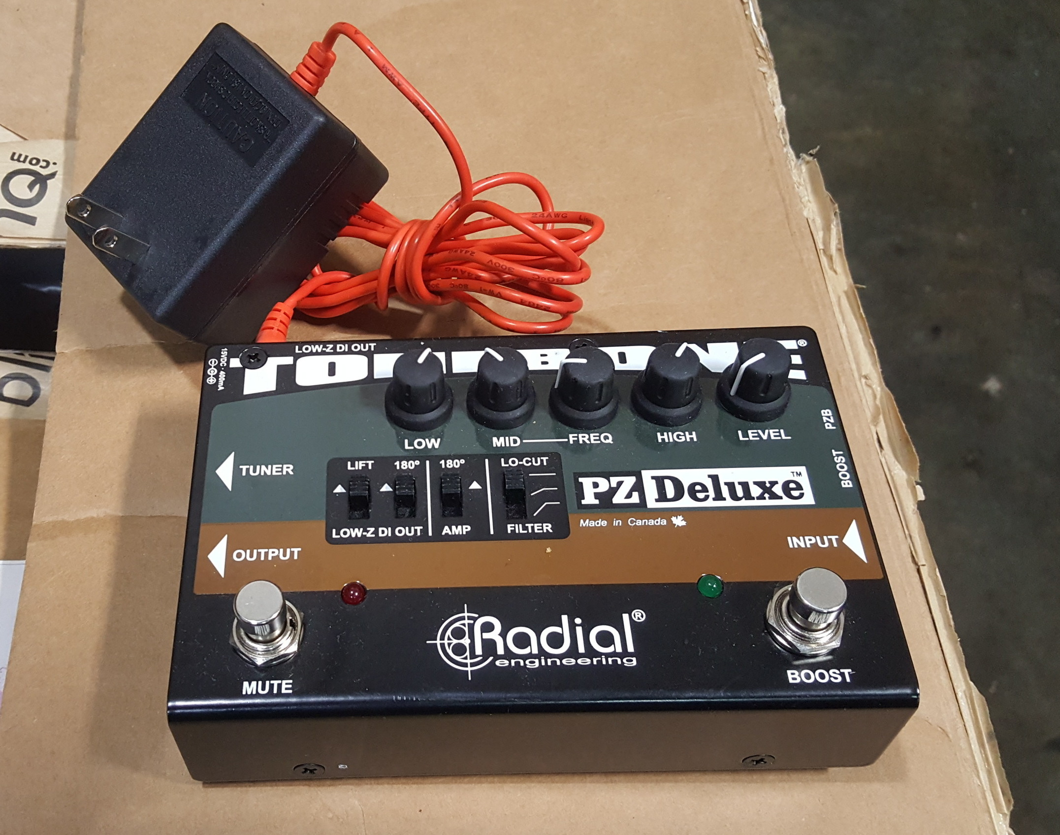 RADIAL TONEBONE PZ DELUXE PREAMP/DI EFFECTS FX PEDAL WITH POWER SUPPLY