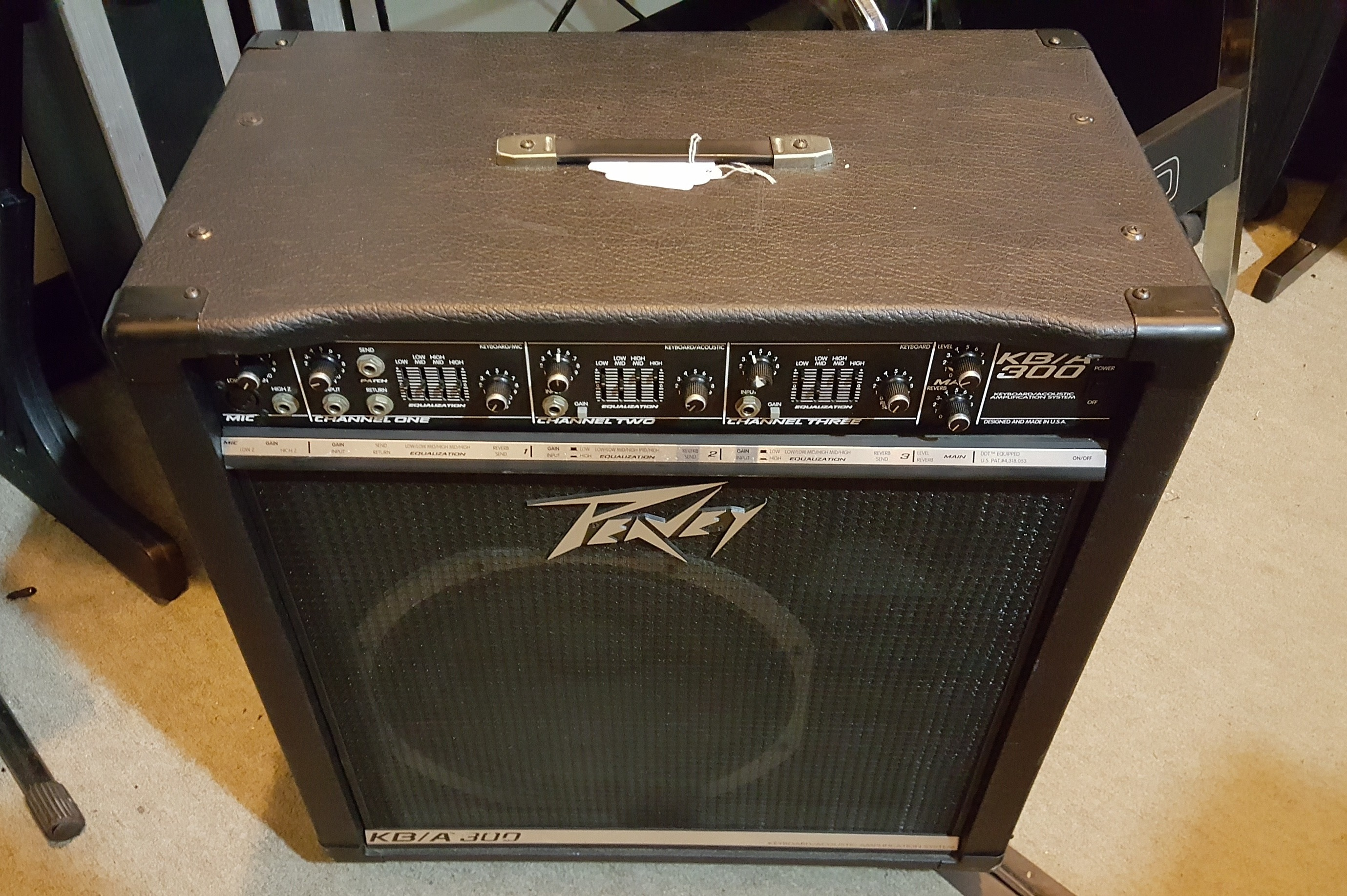 PEAVEY KB/A 300 150-Watt 1x15 Keyboard/Acoustic Amplifier **LOCAL PICKUP**