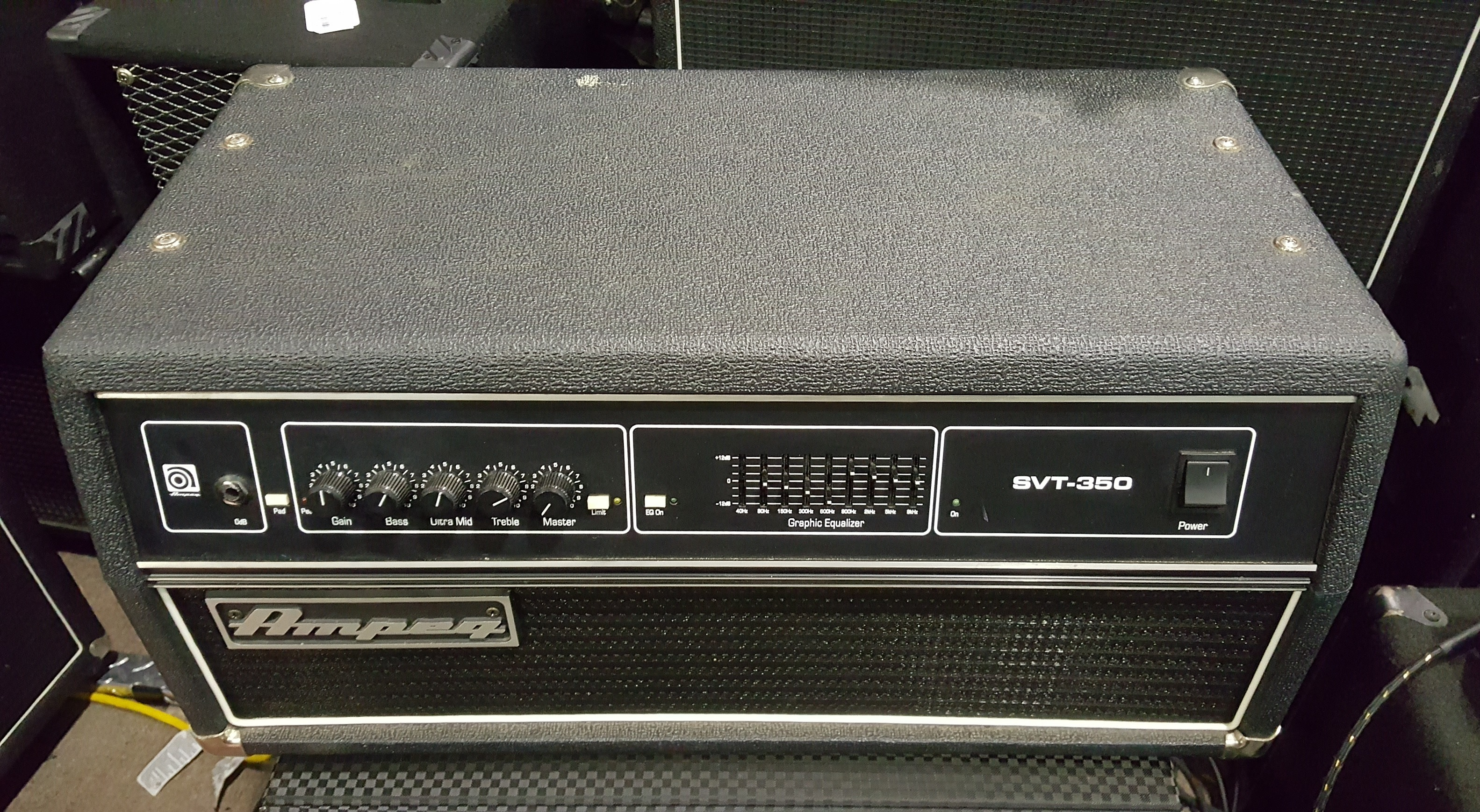 AMPEG SVT-350H 350-Watt Solid-state Bass Amp Head **LOCAL PICKUP**