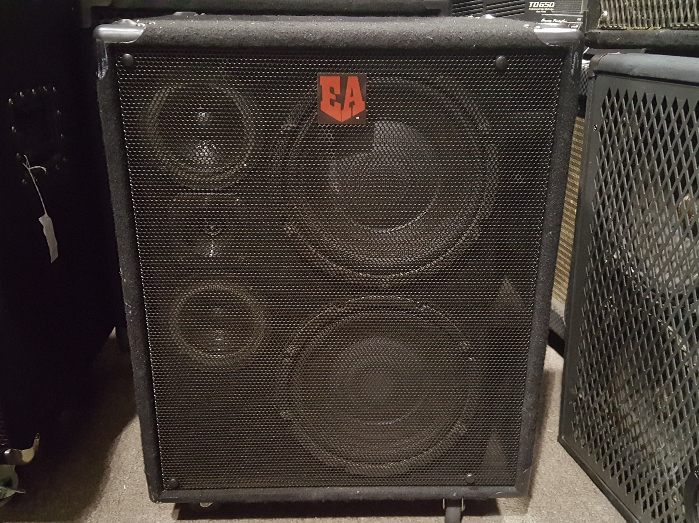 EUPHONIC AUDIO VL-210 500-Watt 2x10 Bass Speaker Cabinet **LOCAL PICKUP**