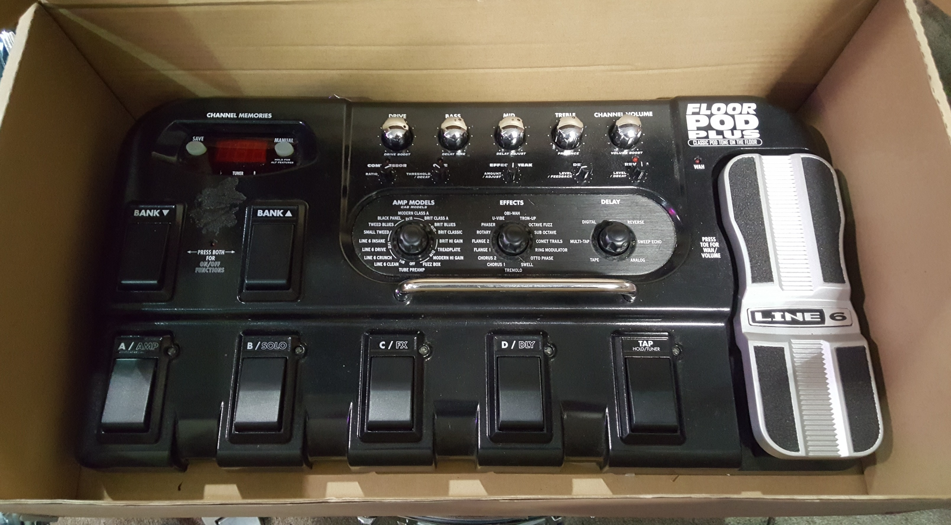 LINE 6 FLOOR POD PLUS Guitar Multi-Effects Fx Pedal with Power Supply!!