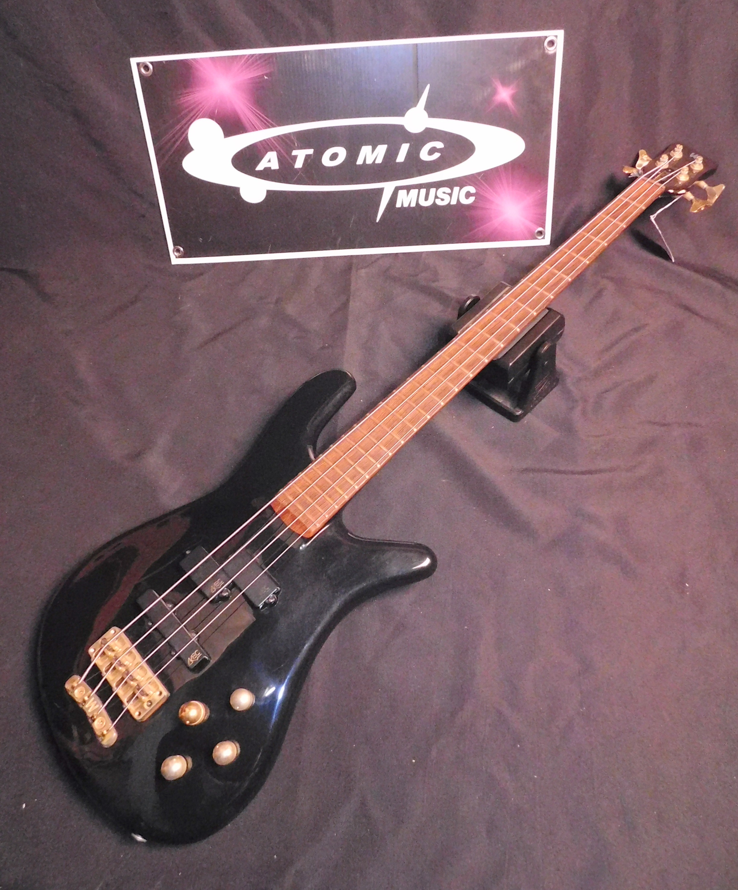 WARWICK STREAMER STAGE 1 Four String BASS GUITAR