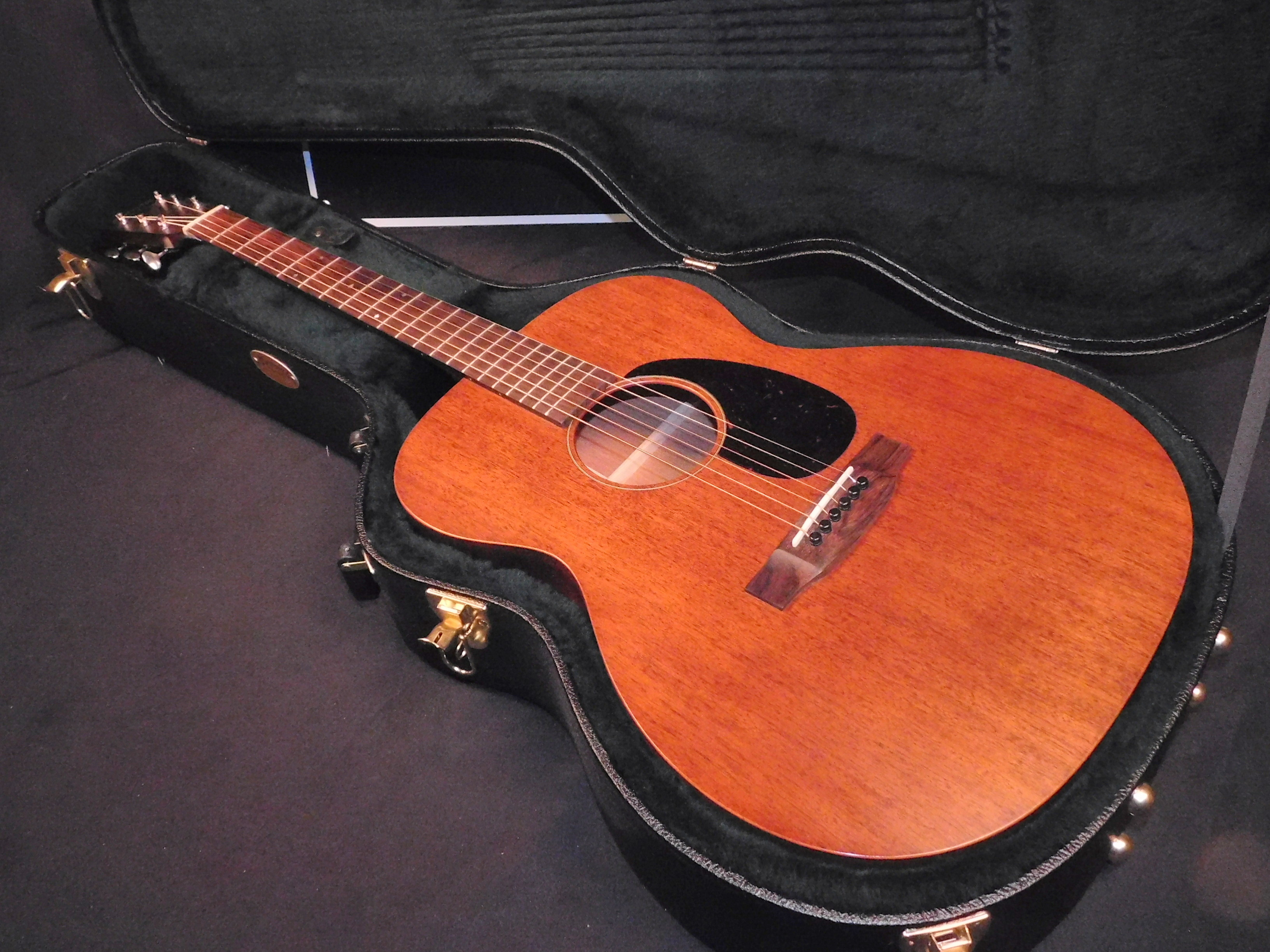 MARTIN 000-15M Acoustic GUITAR w/OHSC & Case Candy