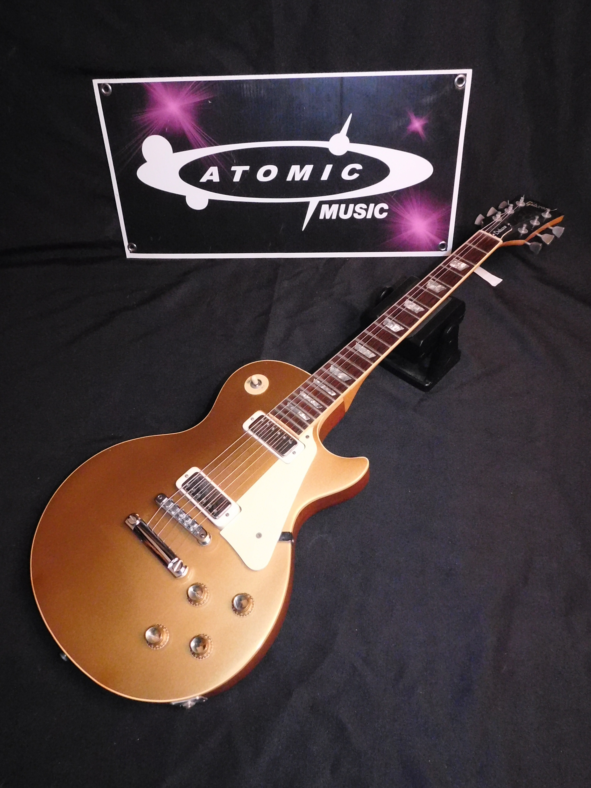 '77 GIBSON LES PAUL DELUXE GOLD TOP w/CASE - GREAT CONDITION!