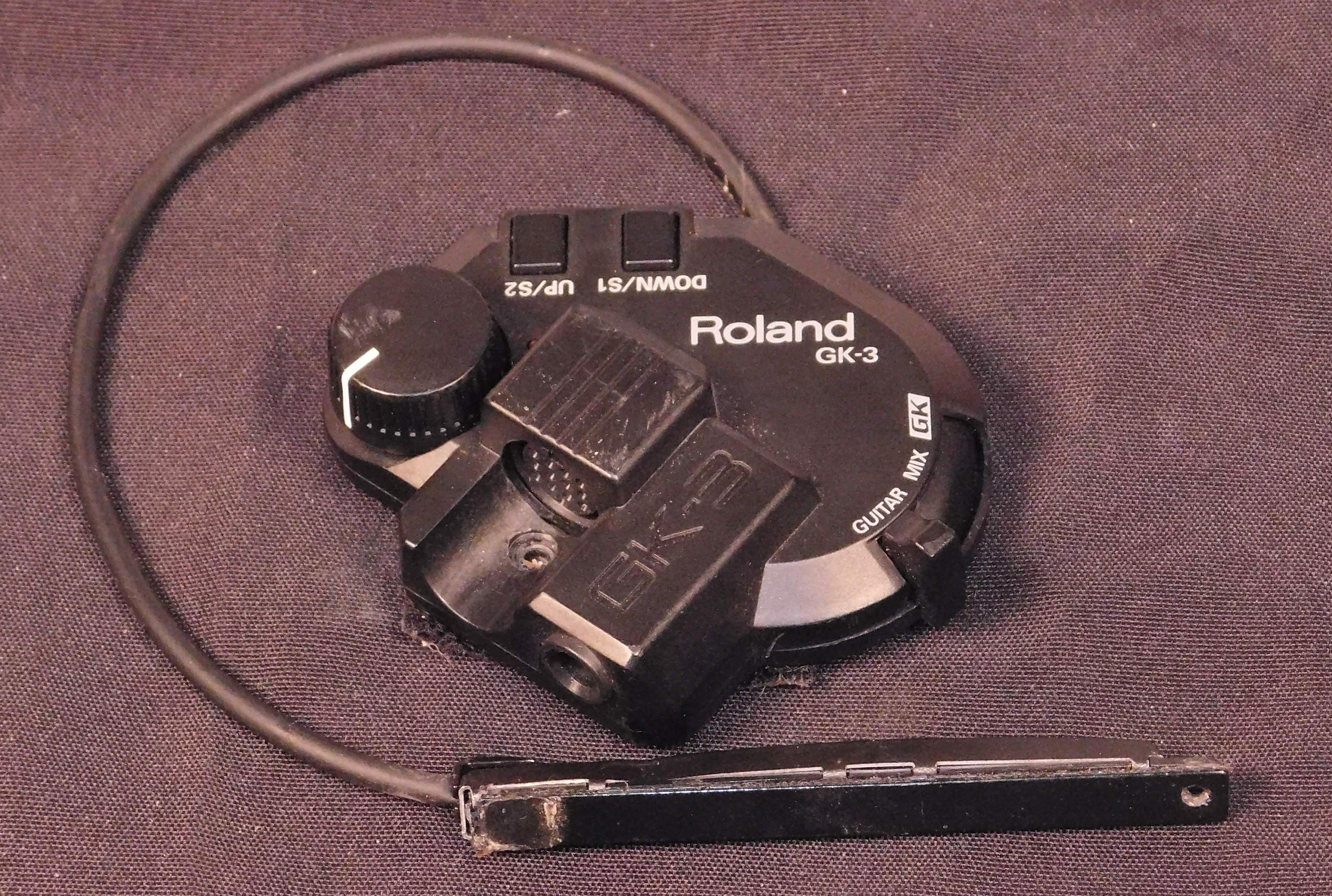ROLAND GK-3 MIDI Guitar Pickup