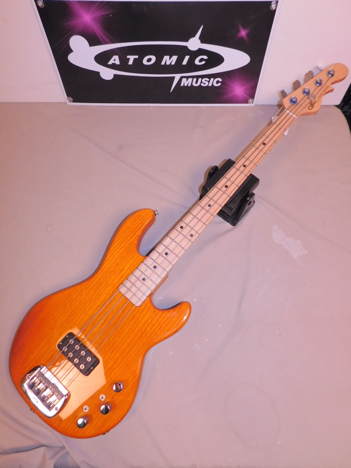 G&L L-1500 Wood Grain with Orange Tint Electric BASS GUITAR - GOOD CONDITION!!!