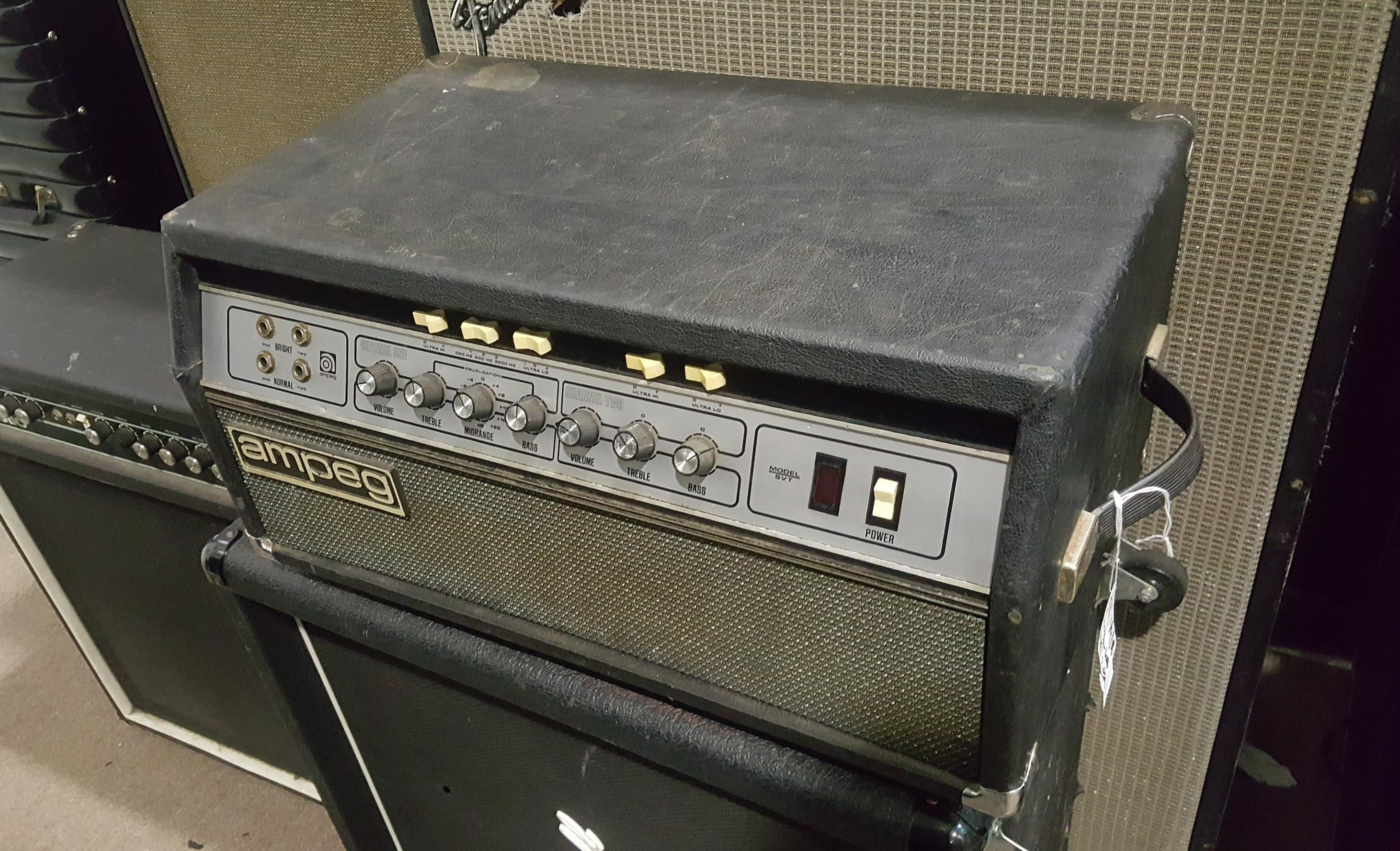AMPEG SVT 300-Watt All-Tube Bass Amp Head **PICKUP ONLY**