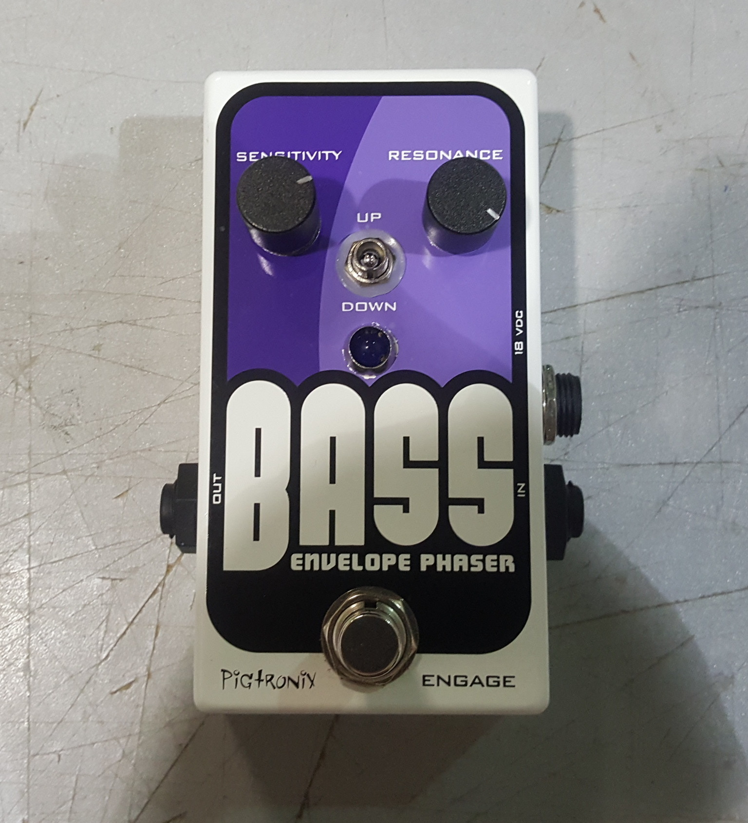 PIGTRONIX BASS ENVELOPE PHASER Effects Pedal w/ Power Supply!!