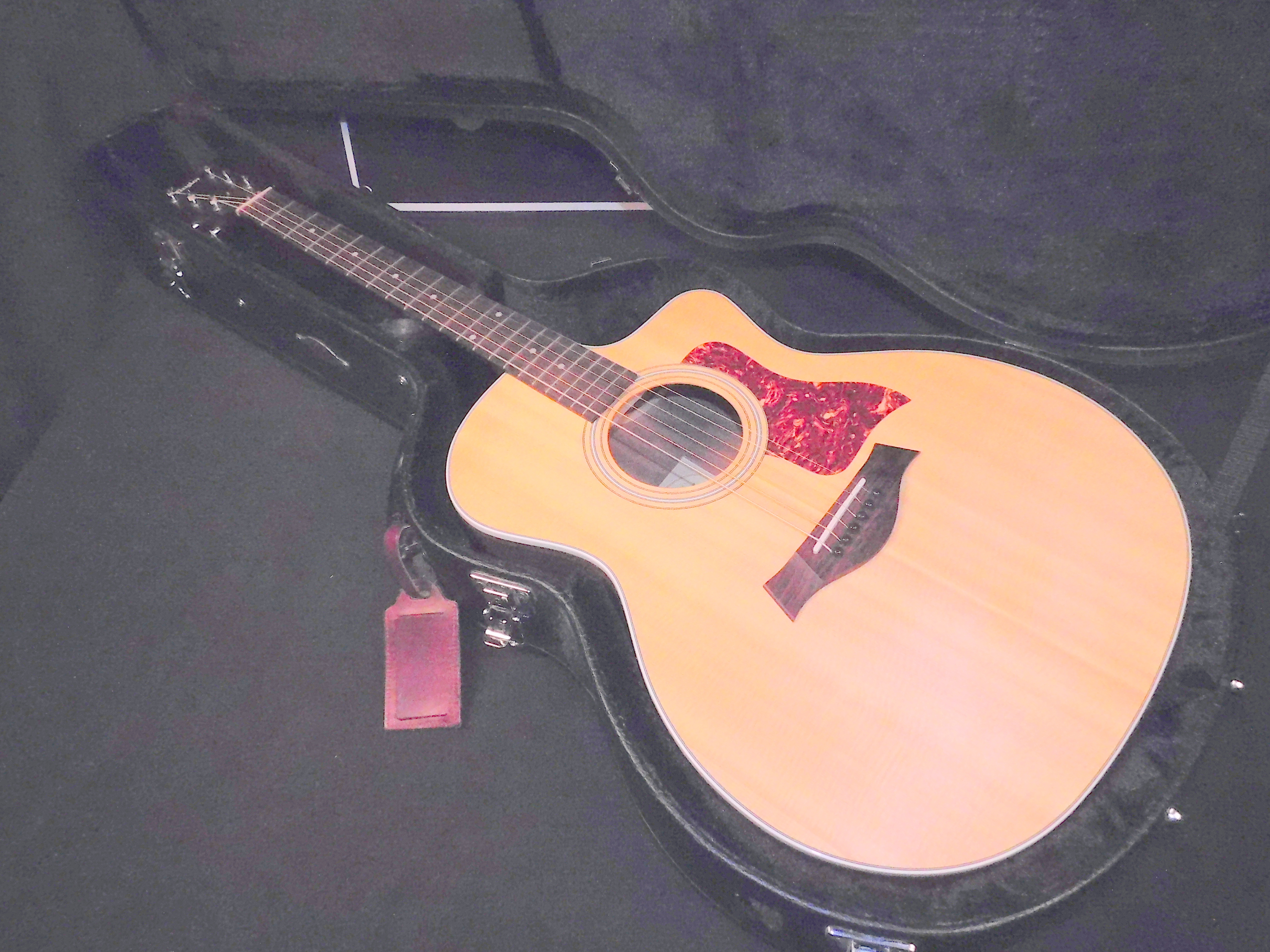 TAYLOR 214CE ACOUSTIC ELECTRIC GUITAR W/OHSC