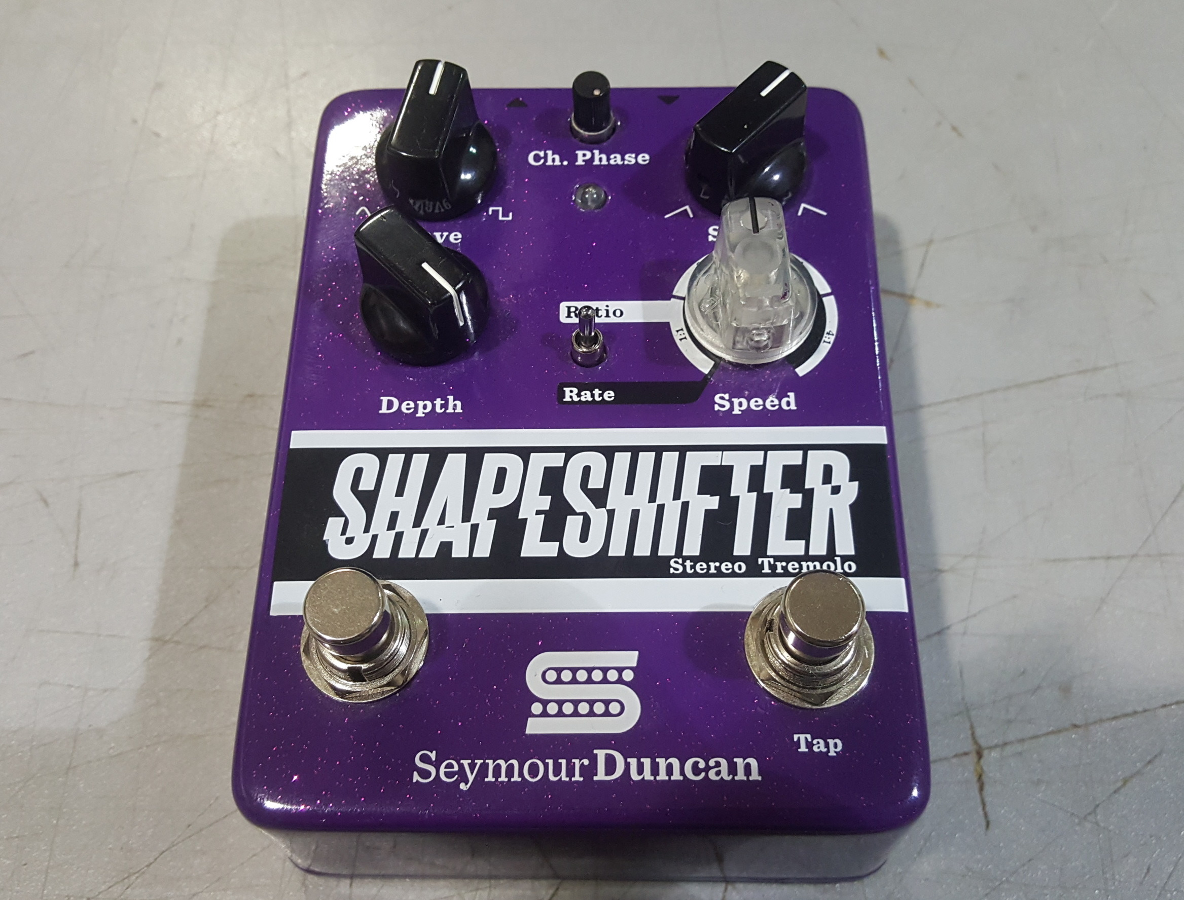 SEYMOUR DUNCAN SHAPE SHIFTER Stereo Tap Tempo Tremolo Effects FX Pedal