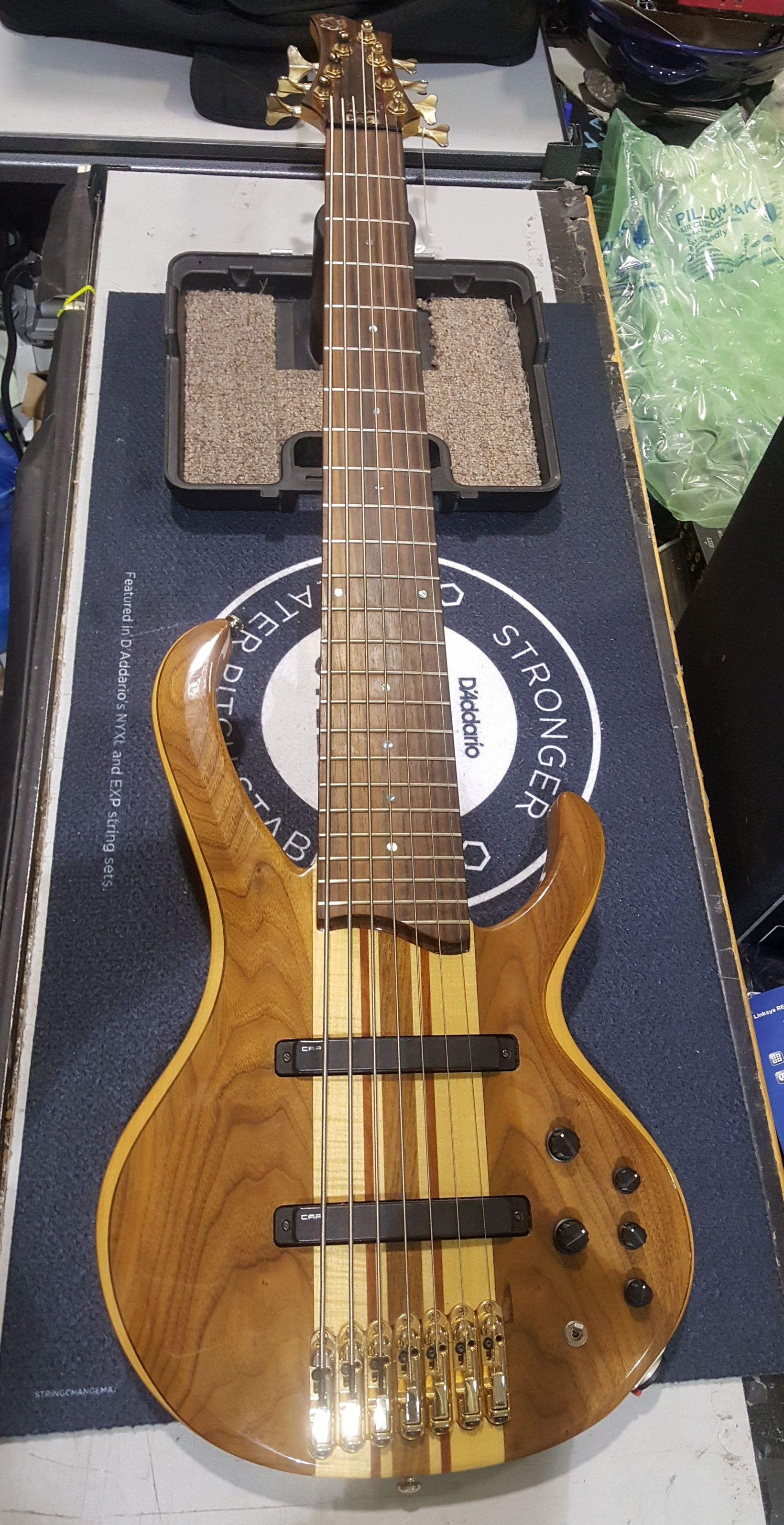 IBANEZ BTB7 7-String Electric Bass Guitar Natural Gloss Finish with Gig Bag!