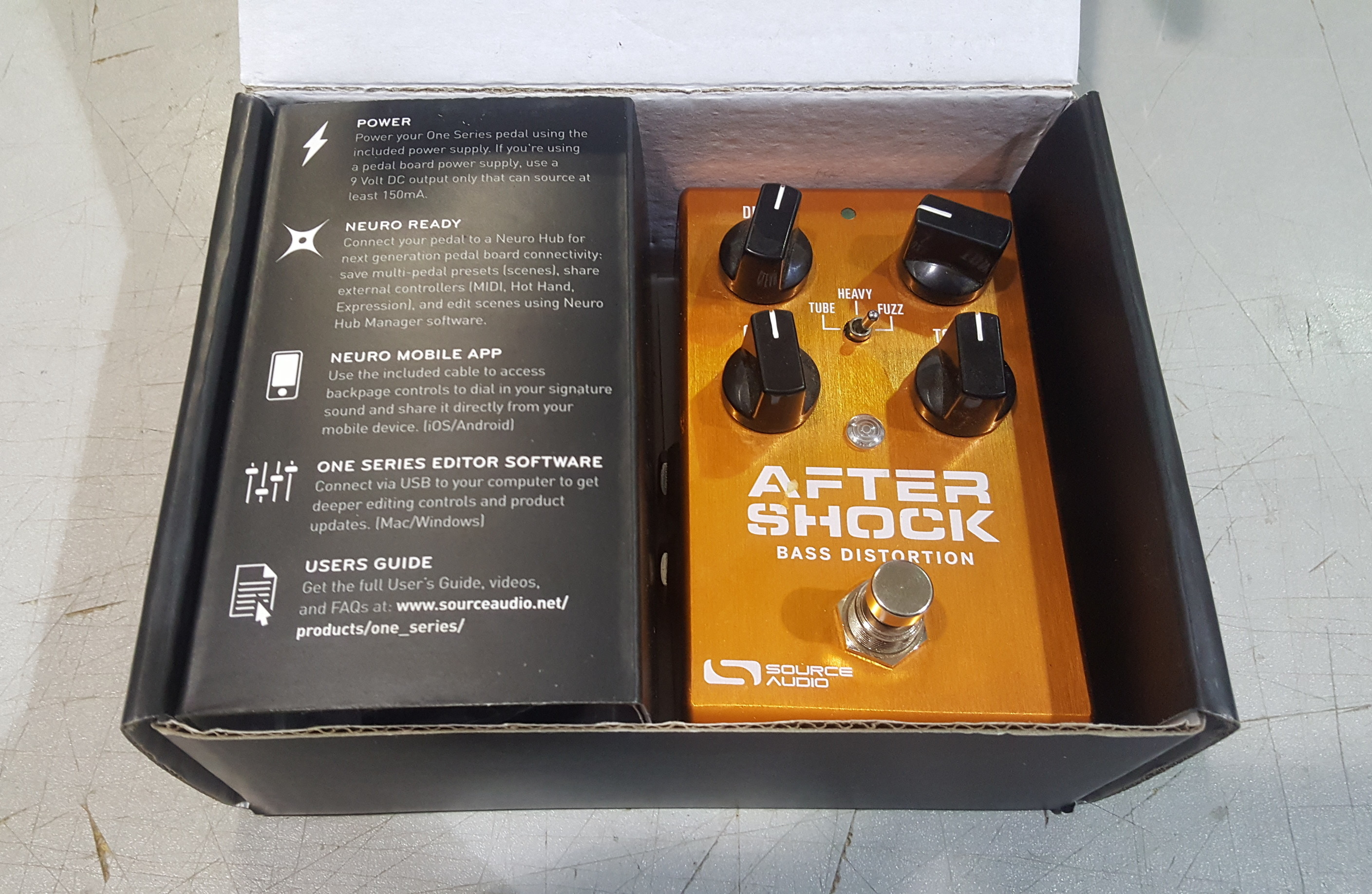 SOURCE AUDIO AFTERSHOCK Bass Distortion Effects FX Pedal with Power Supply!!