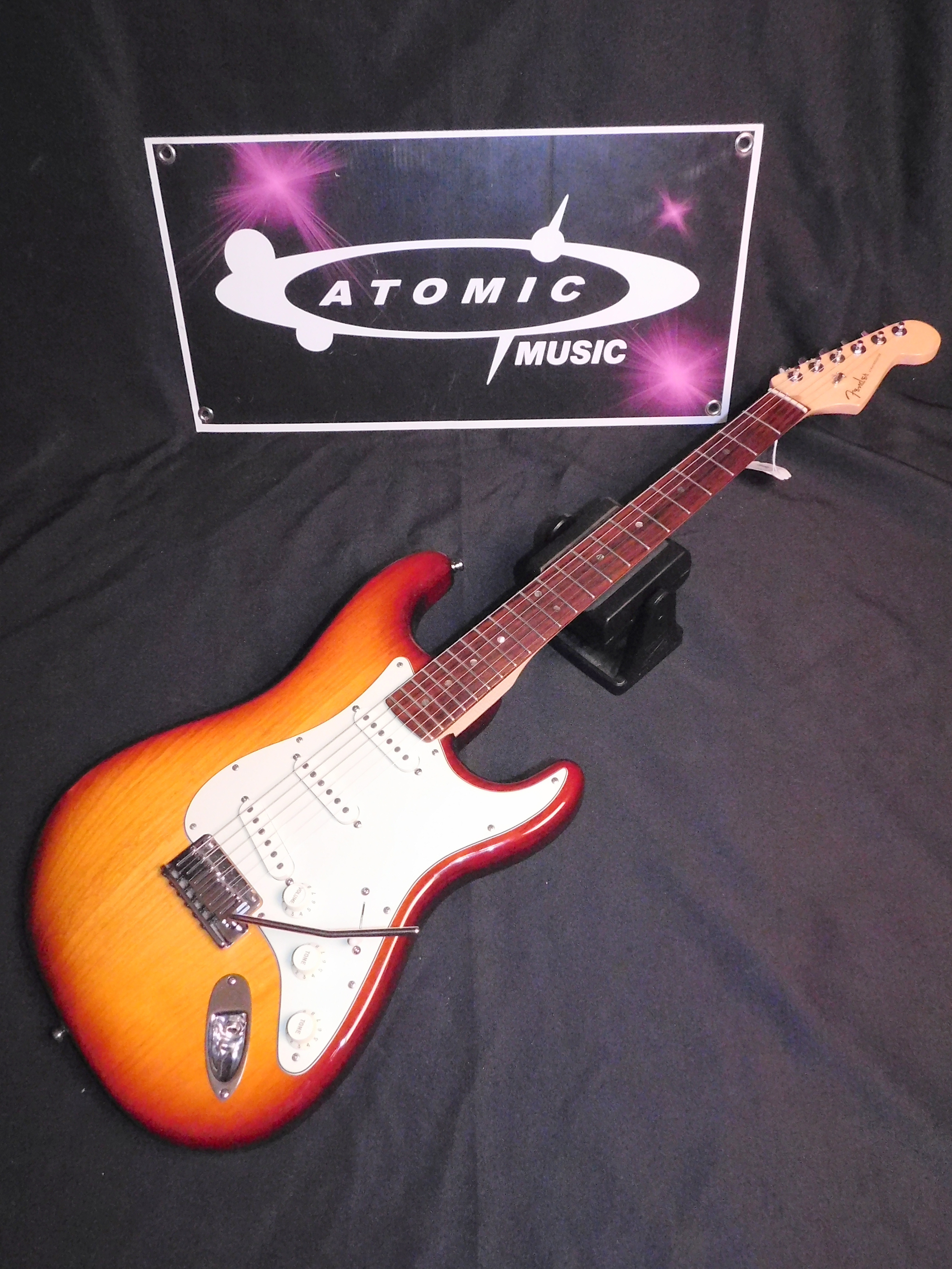 FENDER AMERICAN DELUXE STRATOCASTER - DLX STRAT w/HSC