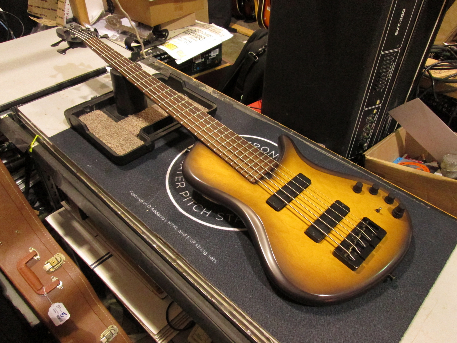 BRUBAKER KXB-5 Bass Guitar **5-String**