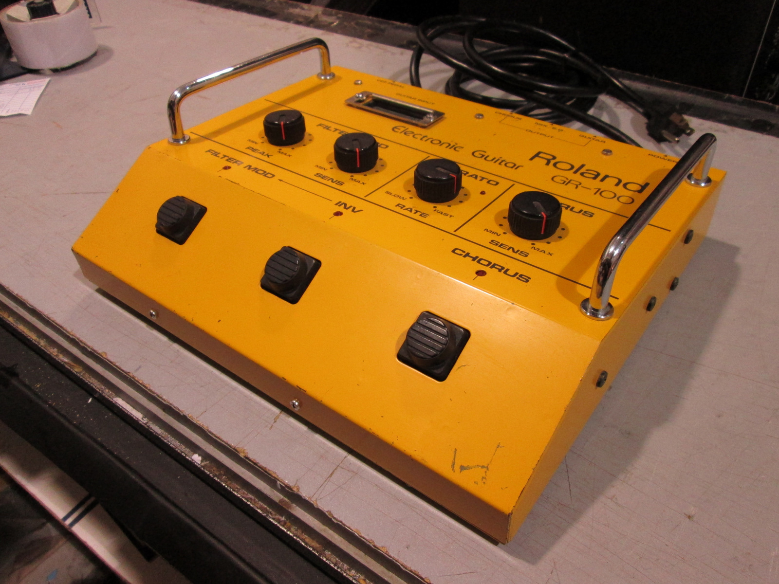 ROLAND GR-100 VINTAGE ELECTRONIC GUITAR SYNTHESIZER **RARE!**