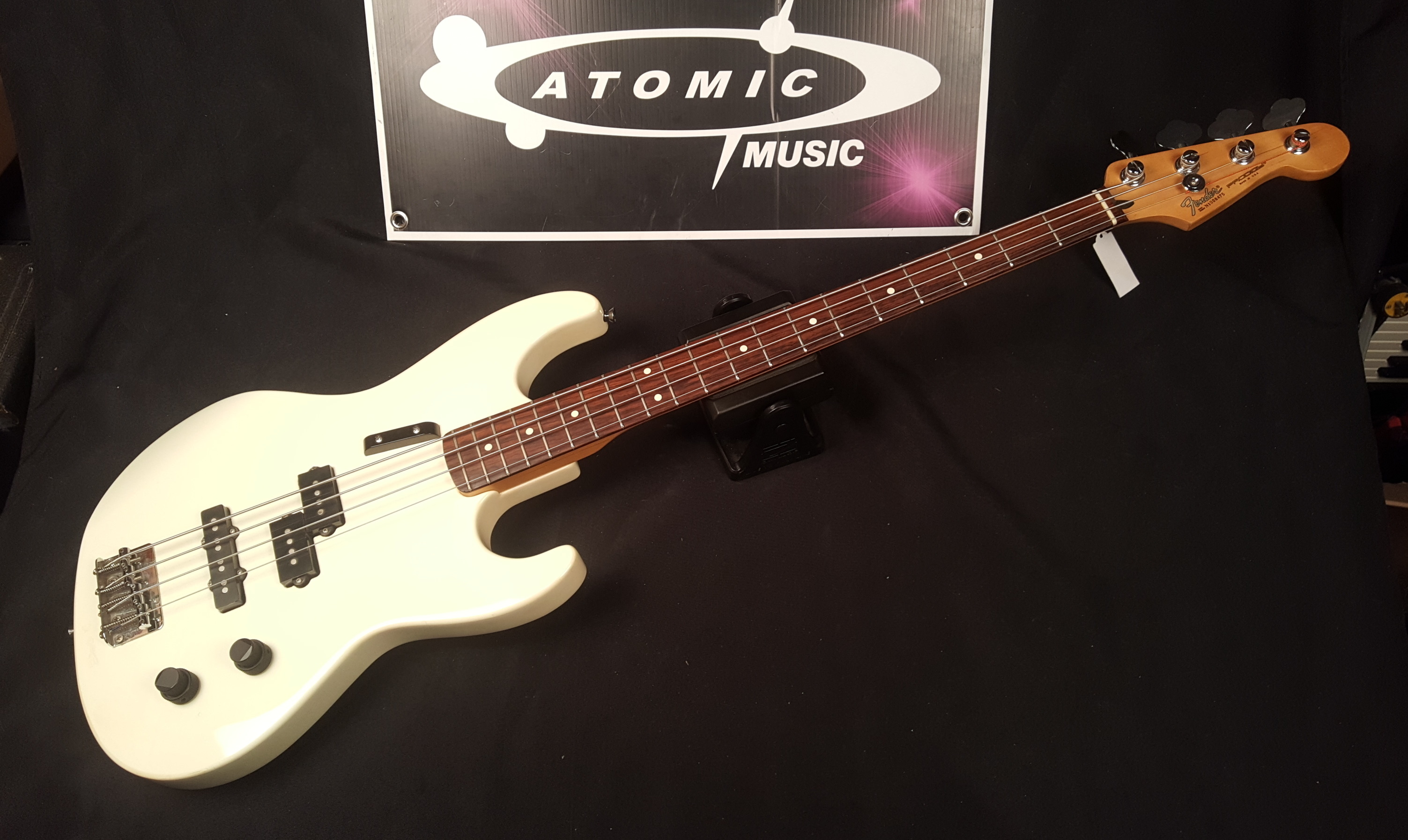 1991 FENDER USA PRODIGY BASS Electric Bass Guitar - WHITE!!