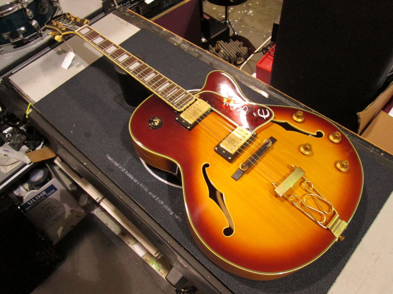 EPIPHONE JOE PASS EMPEROR II HOLLOWBODY GUITAR