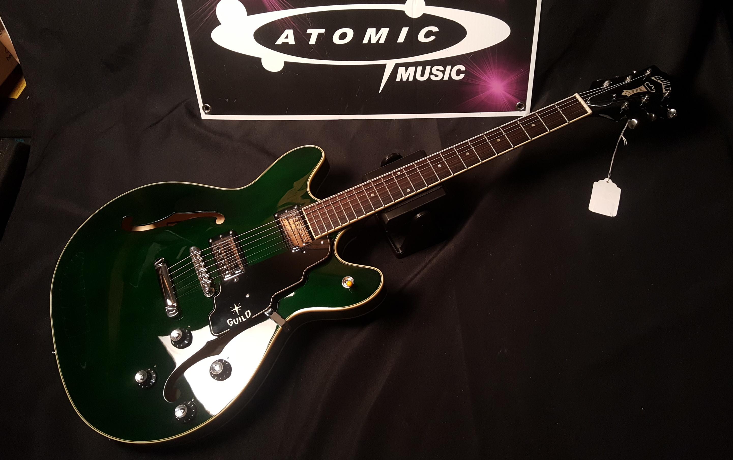 GUILD STARFIRE IV ST Semi-Hollowbody Electric Guitar - EMERALD GREEN W/HSC