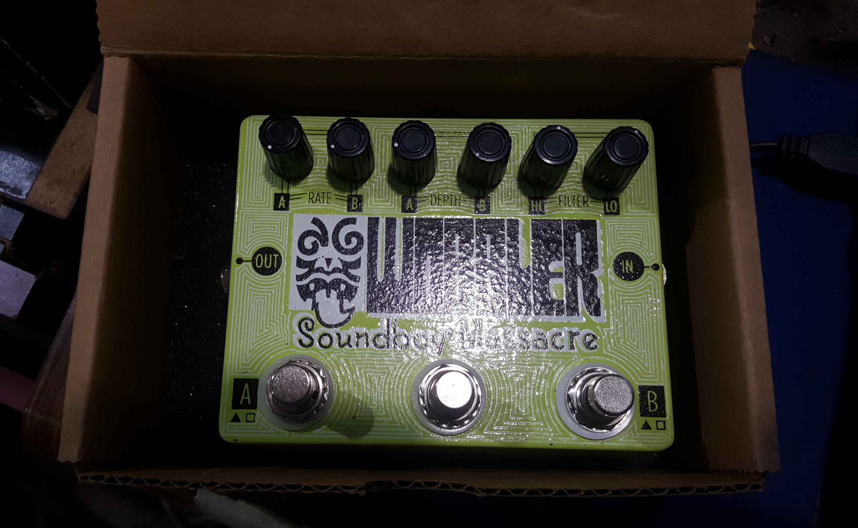 SOUNDBOY MASSACRE WOBBLER Dual-Tremolo Guitar Effects FX Pedal