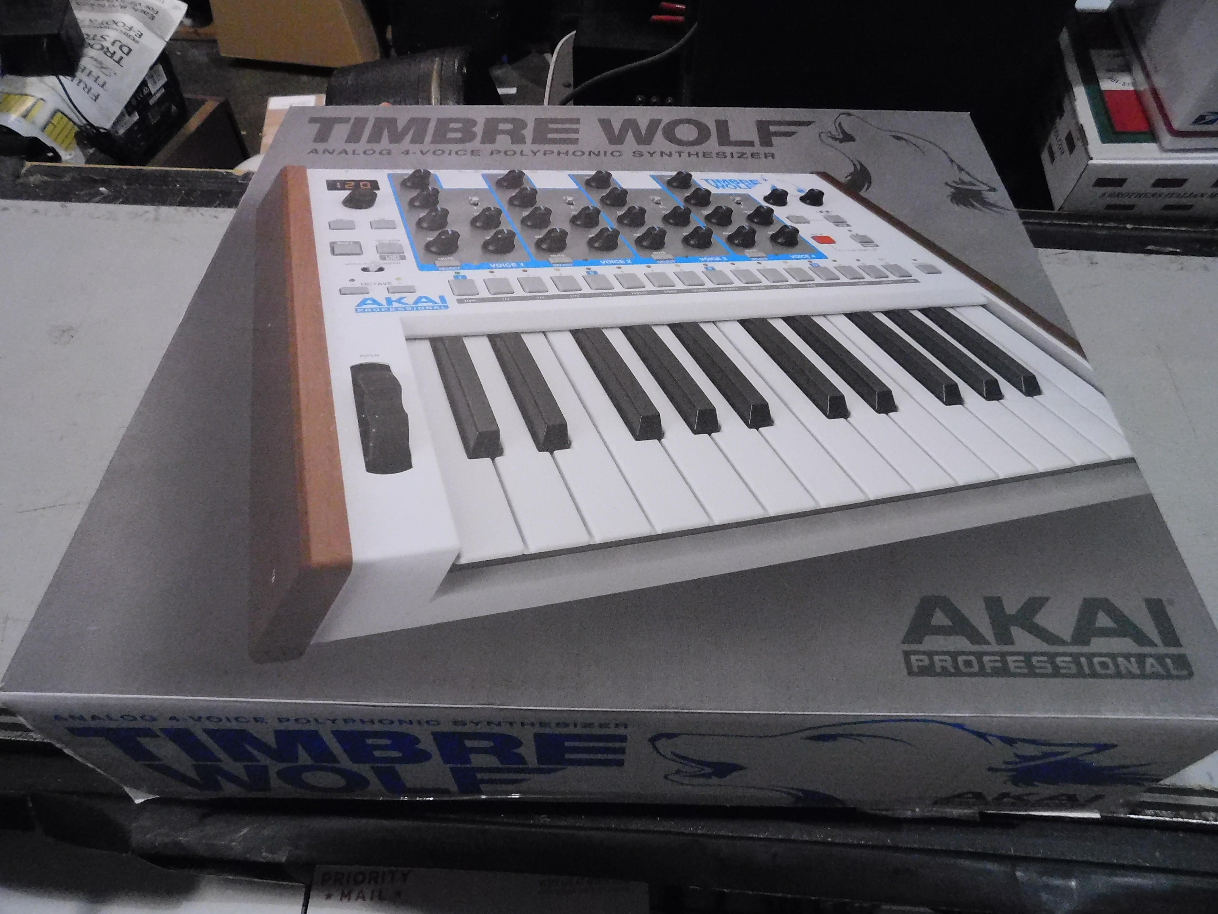 AKAI TIMBRE WOLF 25-Key Analog 4-Voice Polyphonic Synthesizer