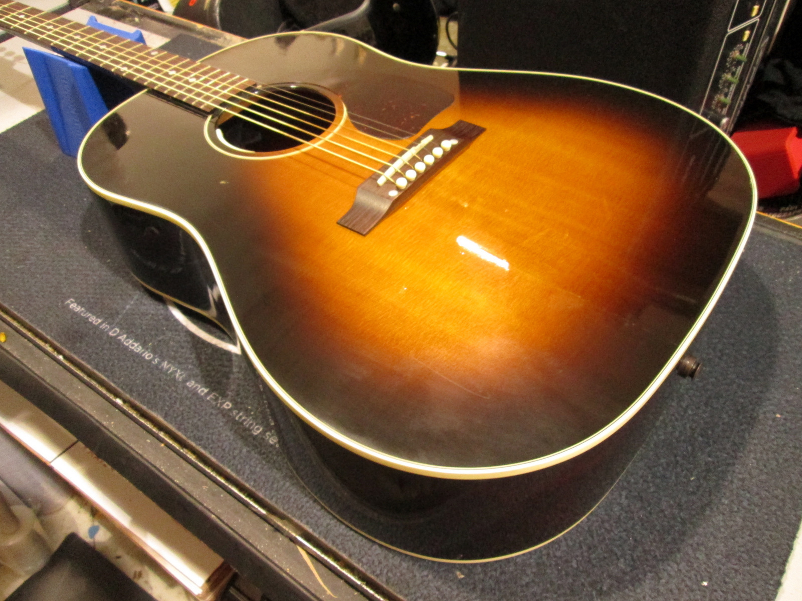 2000 GIBSON J-45 ACOUSTIC GUITAR
