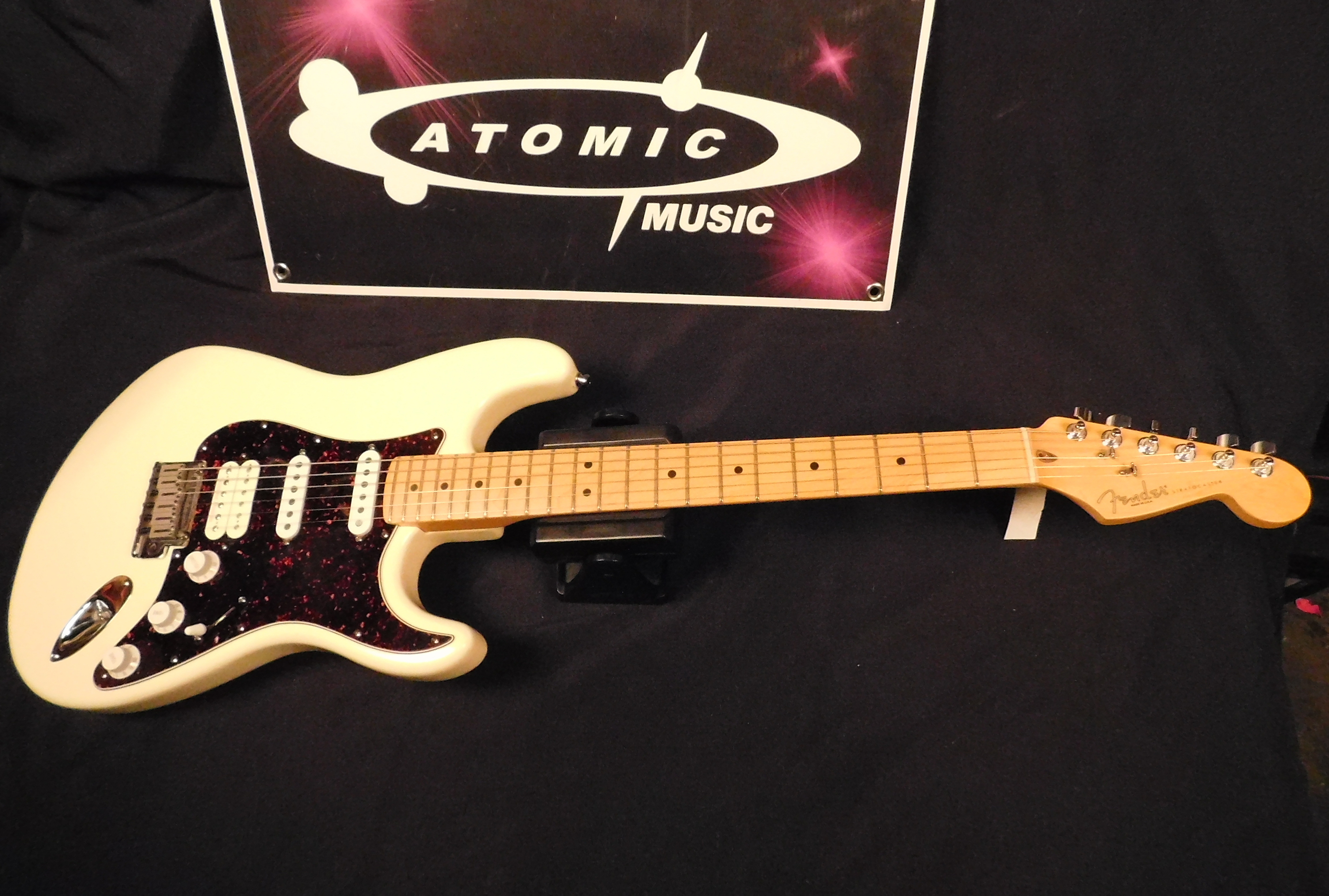 FENDER USA LONE STAR STRATOCASTER Electric Guitar **HSC** Maple Neck