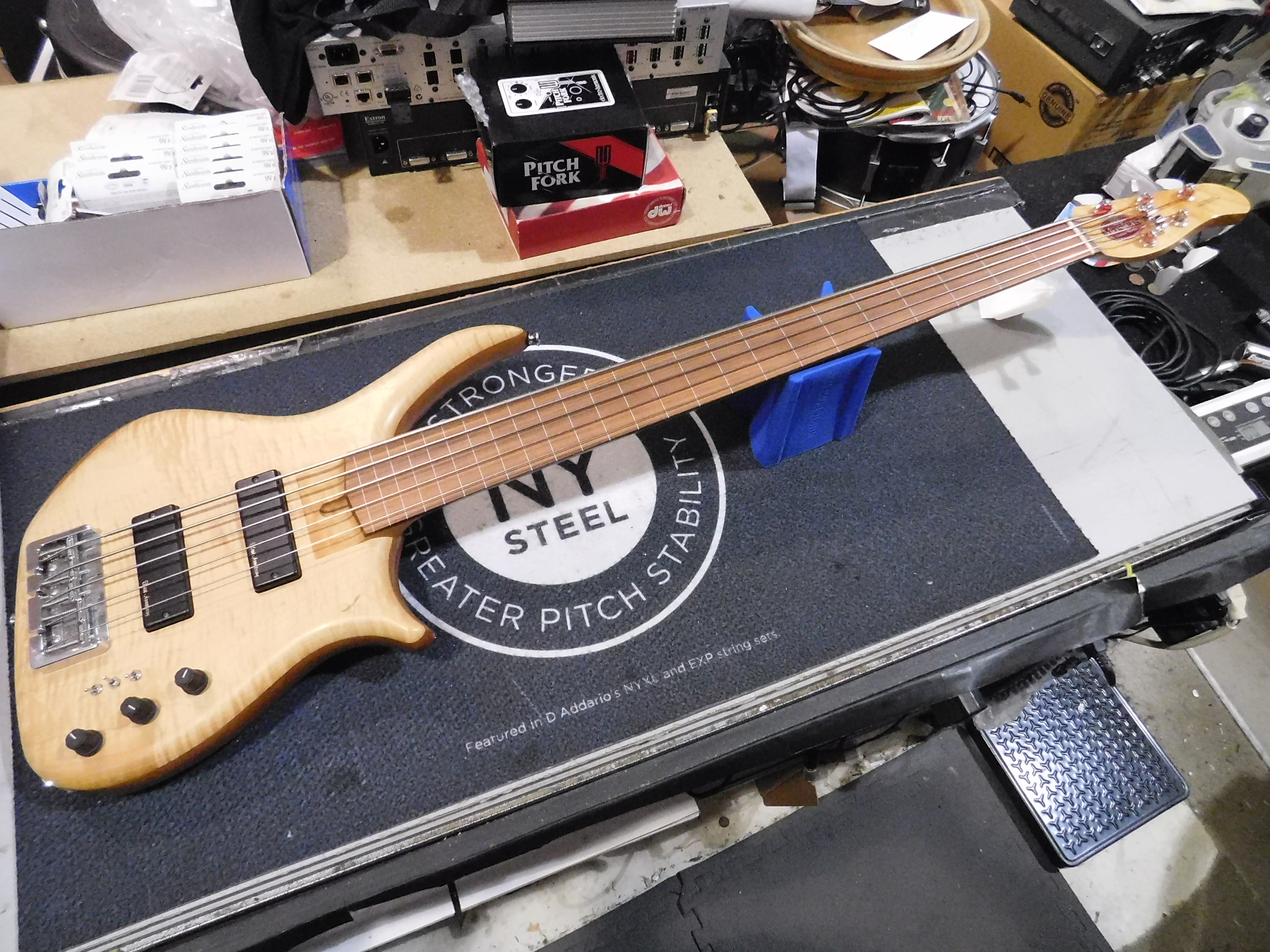 US MASTERS EP5J 5-String Fretless Electric Bass **HSC**
