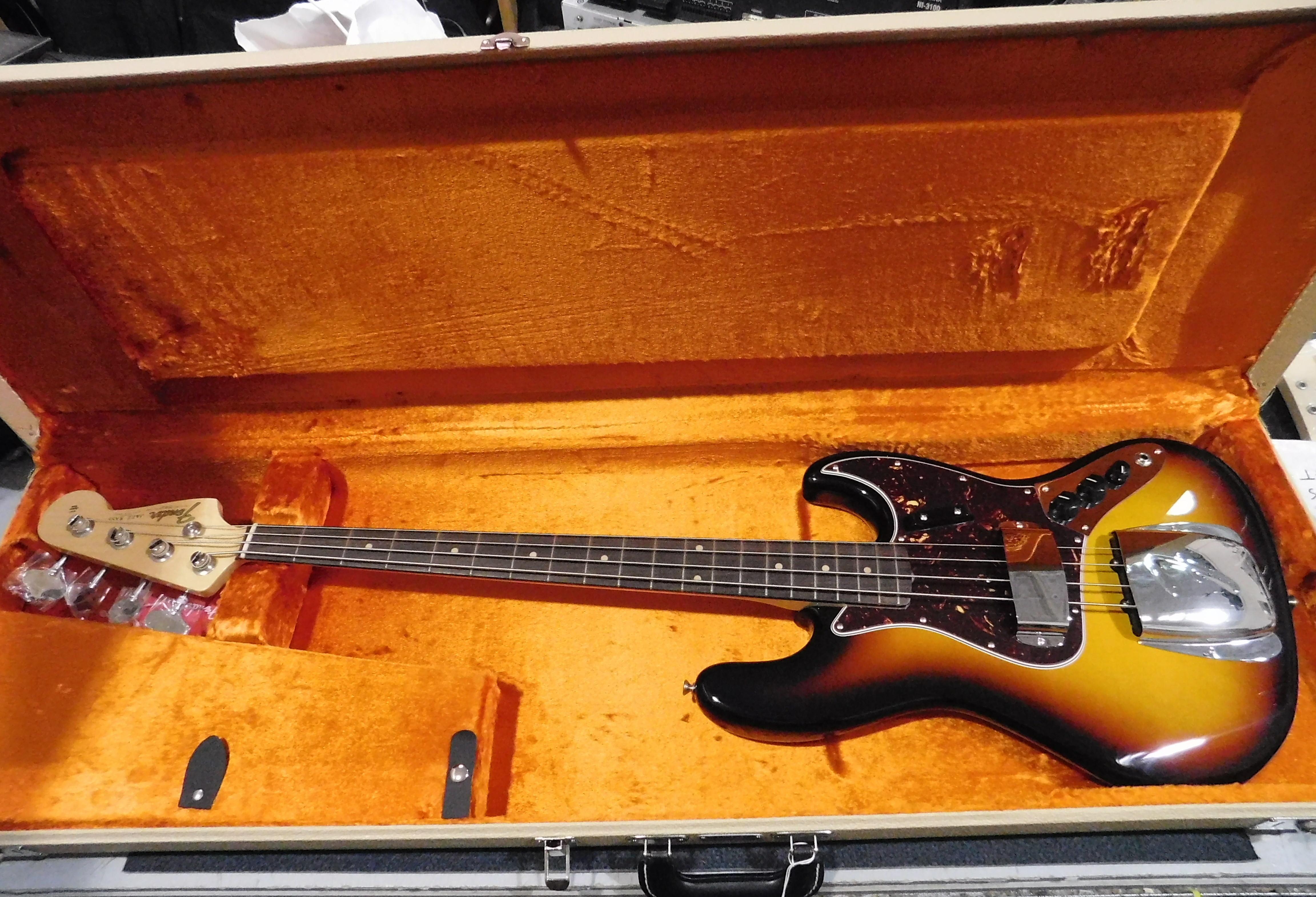 FENDER American Vintage '64 Jazz Bass **HSC** Sunburst