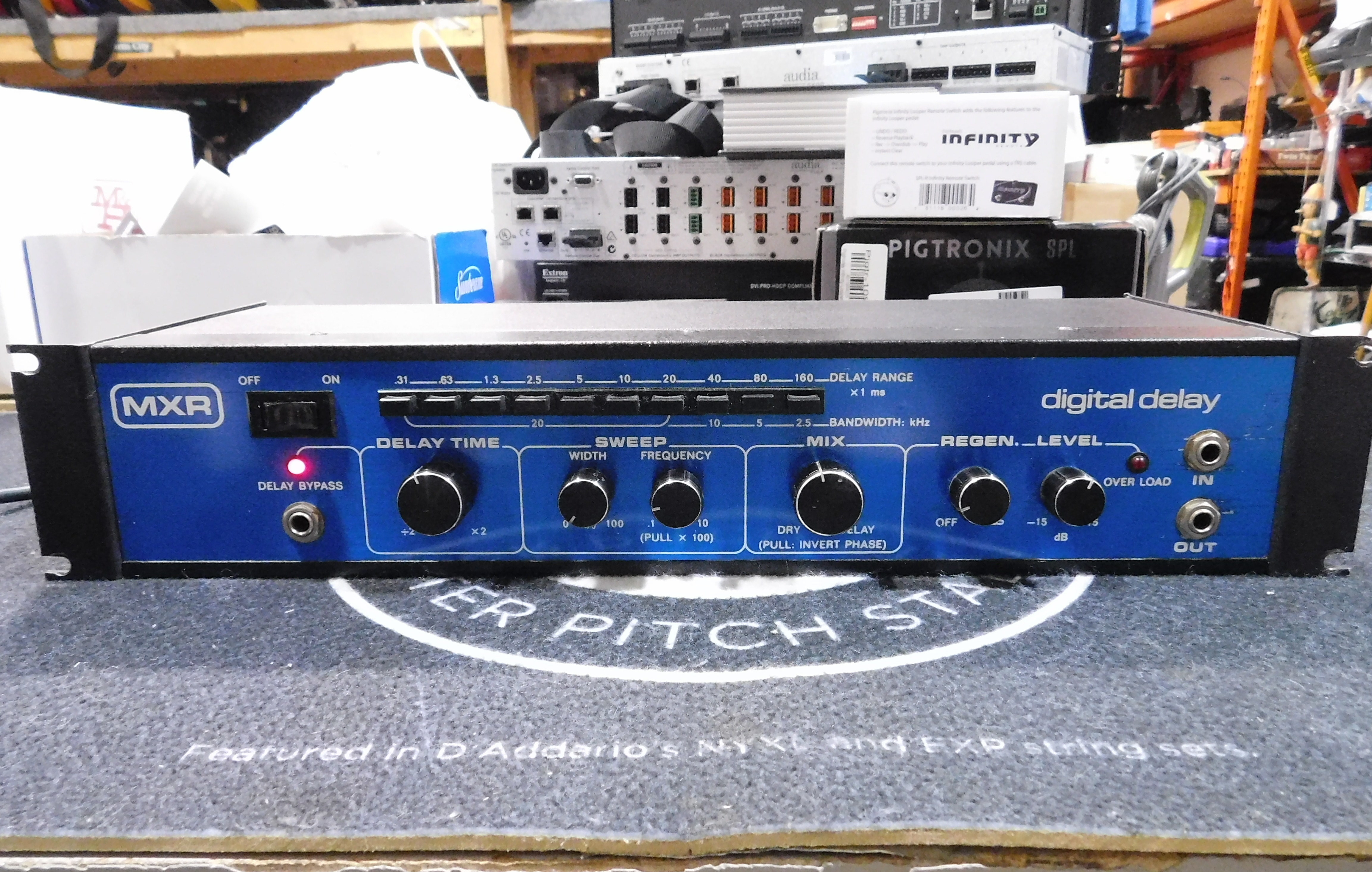 MXR DIGITAL DELAY Blue Face Vintage Rackmount Effects Unit