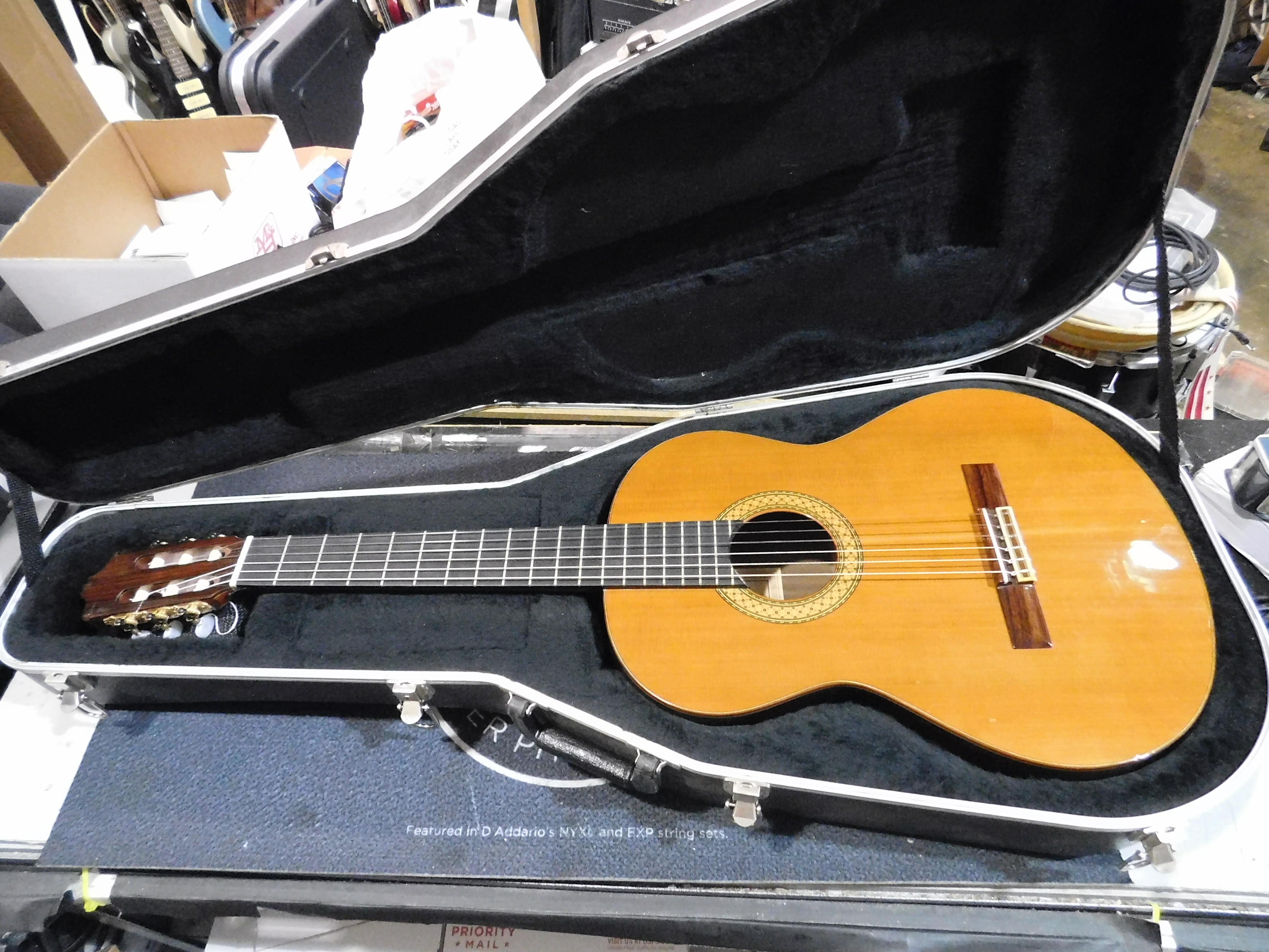 ENRIQUEZ Model 28C Classical Guitar **HSC**
