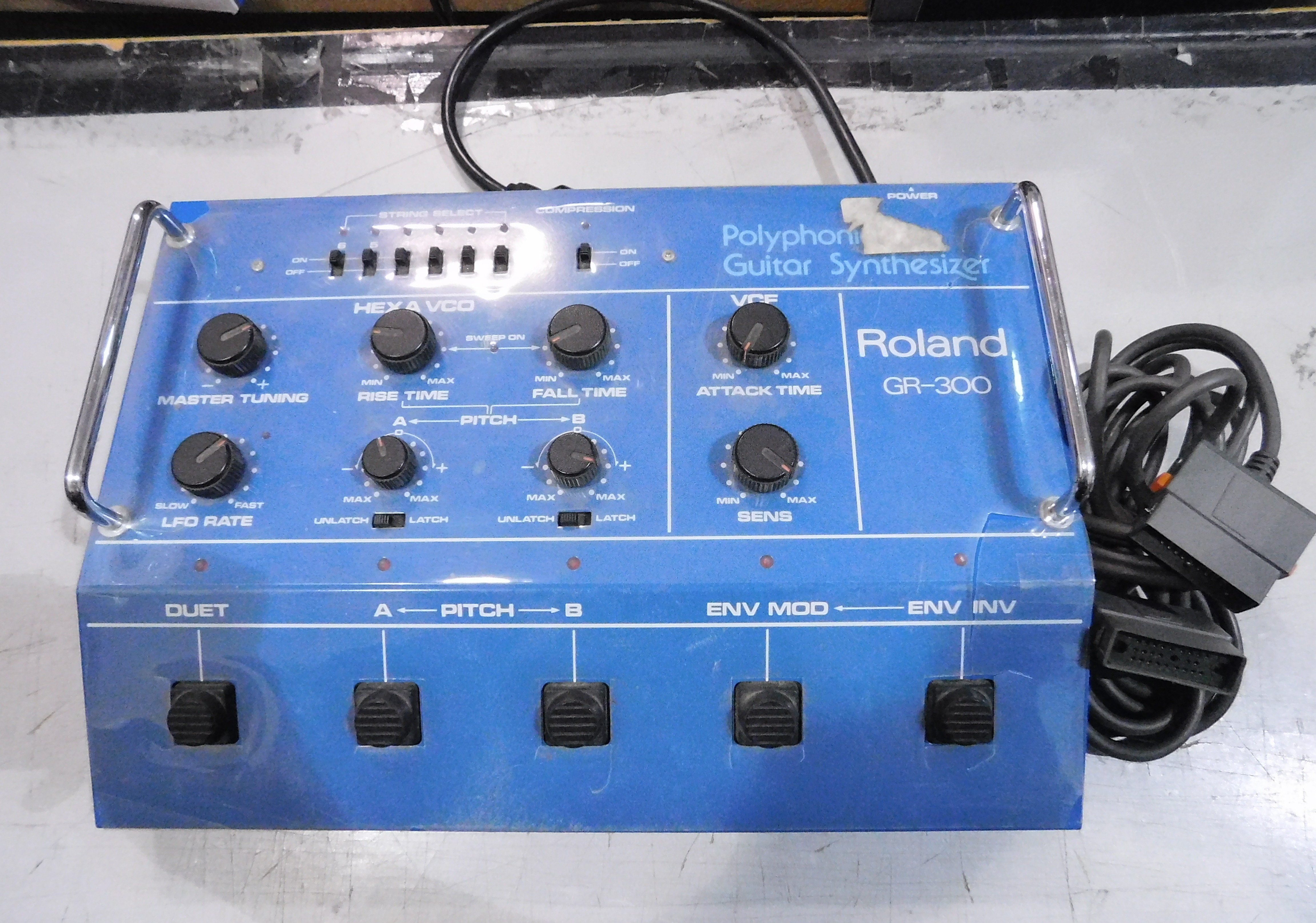 ROLAND GR-300 Vintage Analog Guitar Synthesizer with 24-Pin Cable!