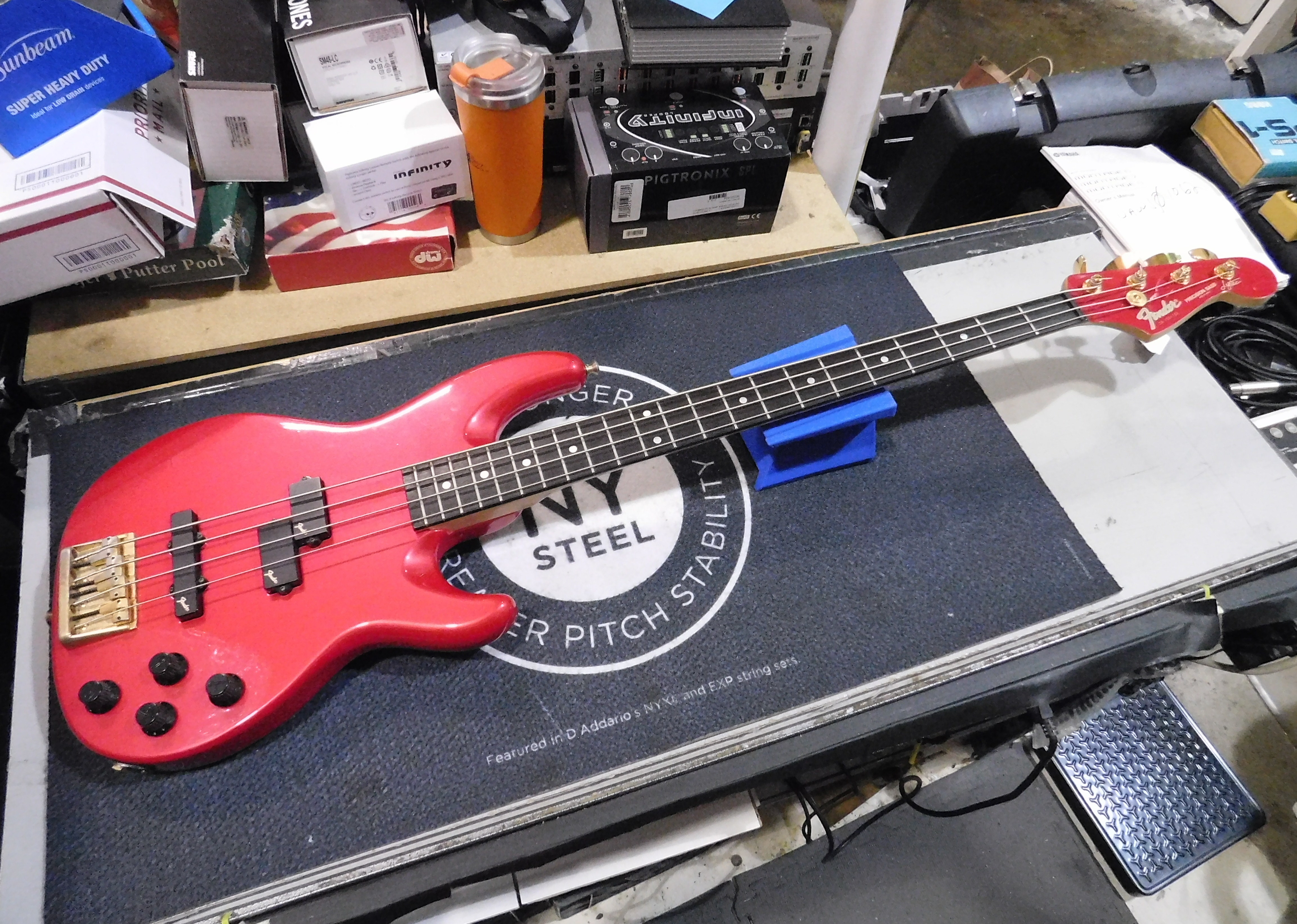 1989-1990 FENDER PRECISION BASS LYTE MIJ Electric Bass with Gig-bag - Red