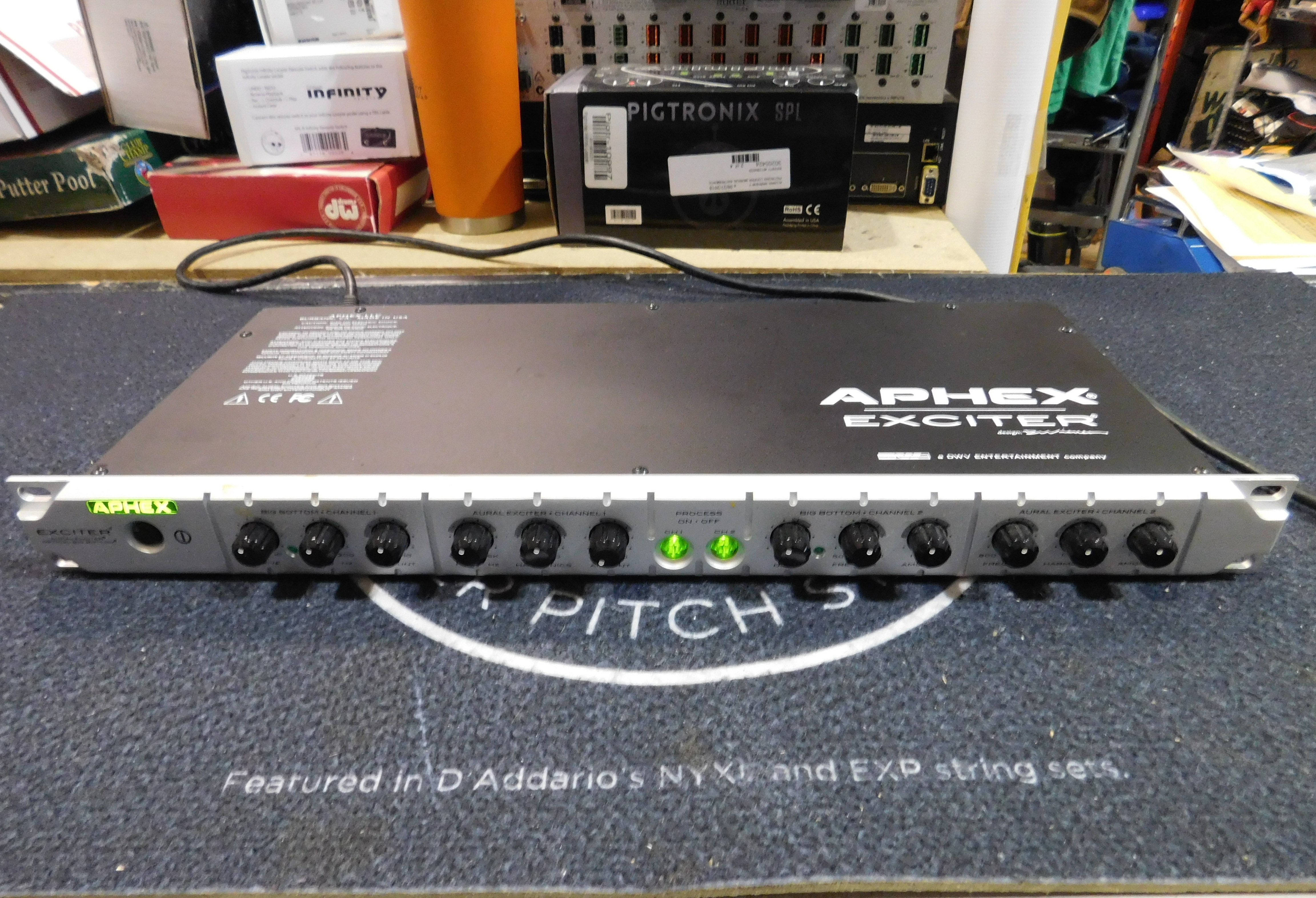APHEX 204 EXCITER 2-Channel Aural Exciter with Optical Big Bottom Rackmount