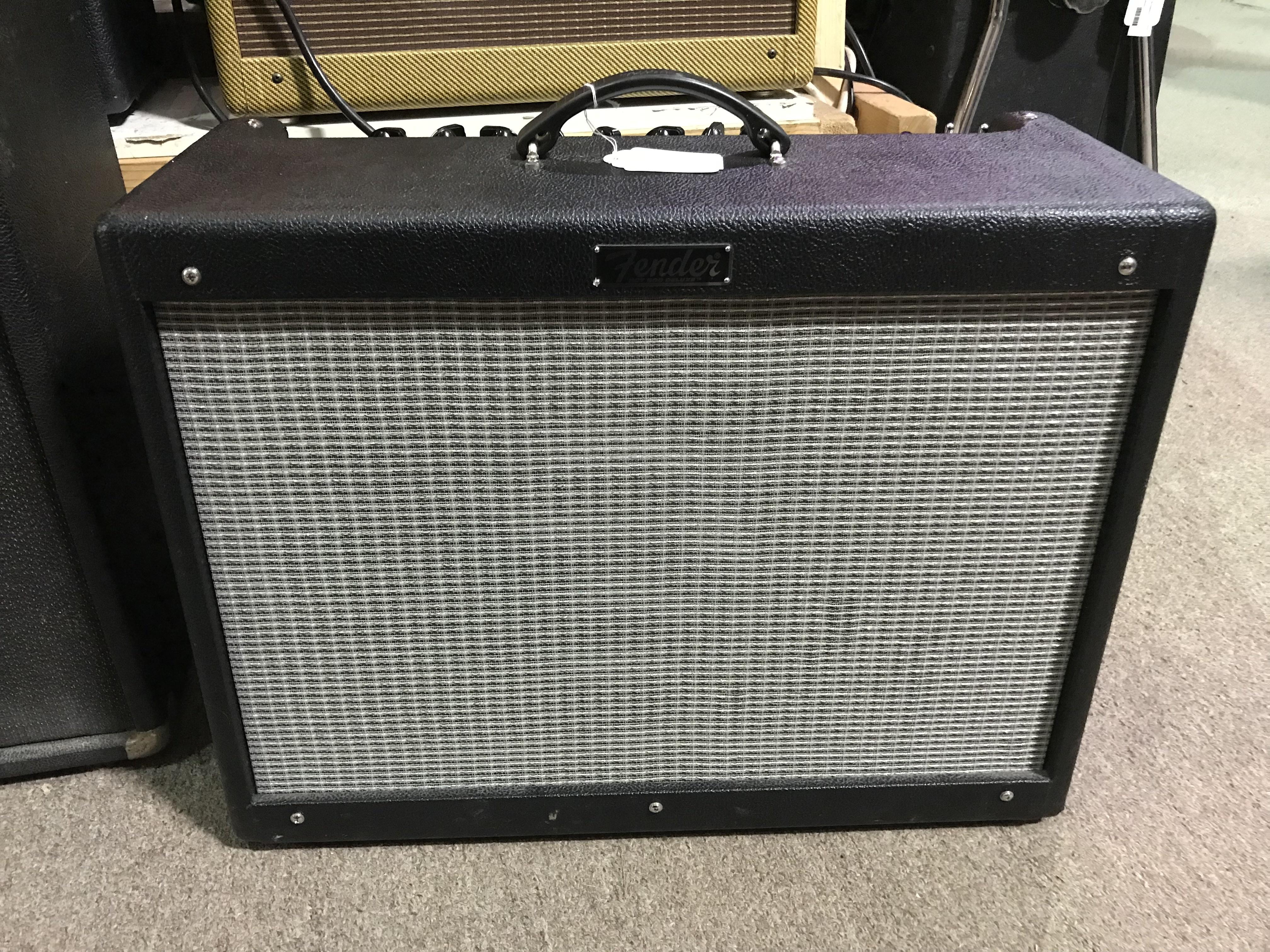 FENDER HOT ROD DELUXE III 40-Watt 1X12 Tube Combo Guitar Amplifier