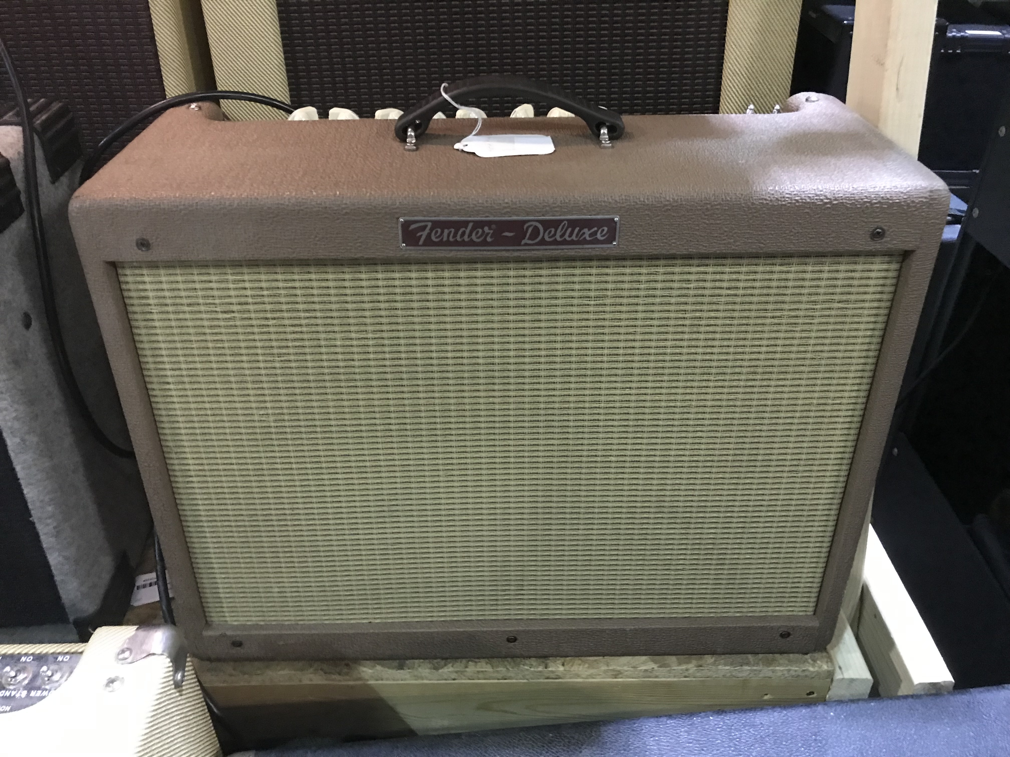 FENDER HOT ROD DELUXE Limited Edition Brown 40W 1X12 Tube Guitar Combo Amp